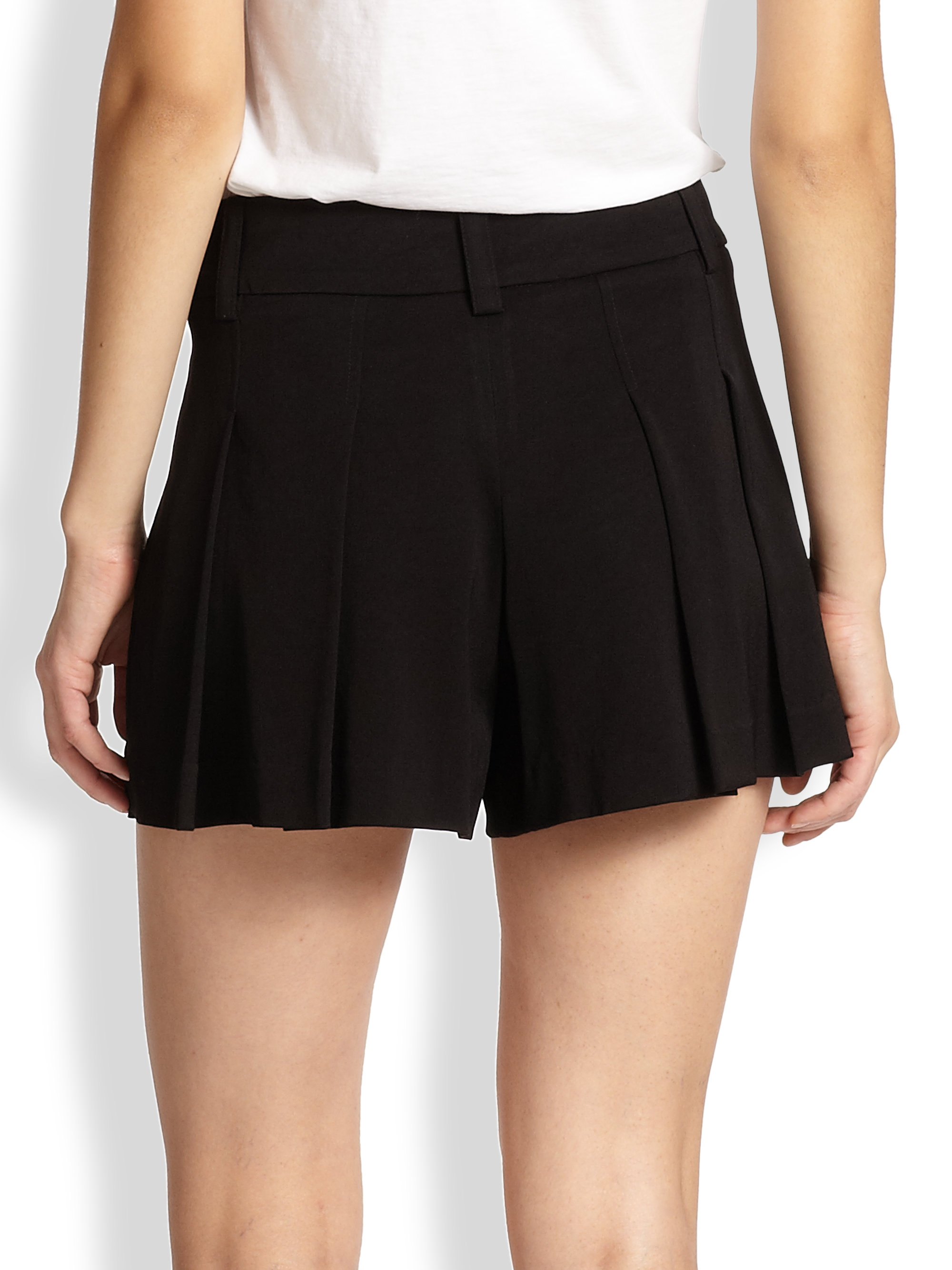 Alice   olivia High Waisted Pleated Shorts in Black | Lyst