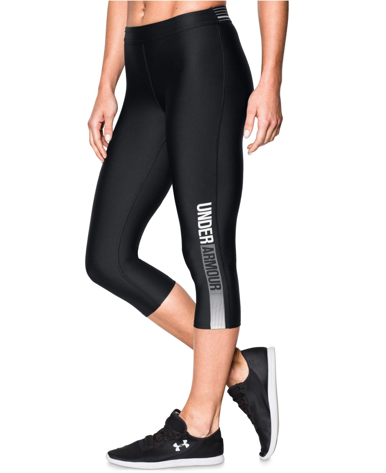 Lyst - Under Armour Heatgearu00ae Graphic Capri Leggings in Black