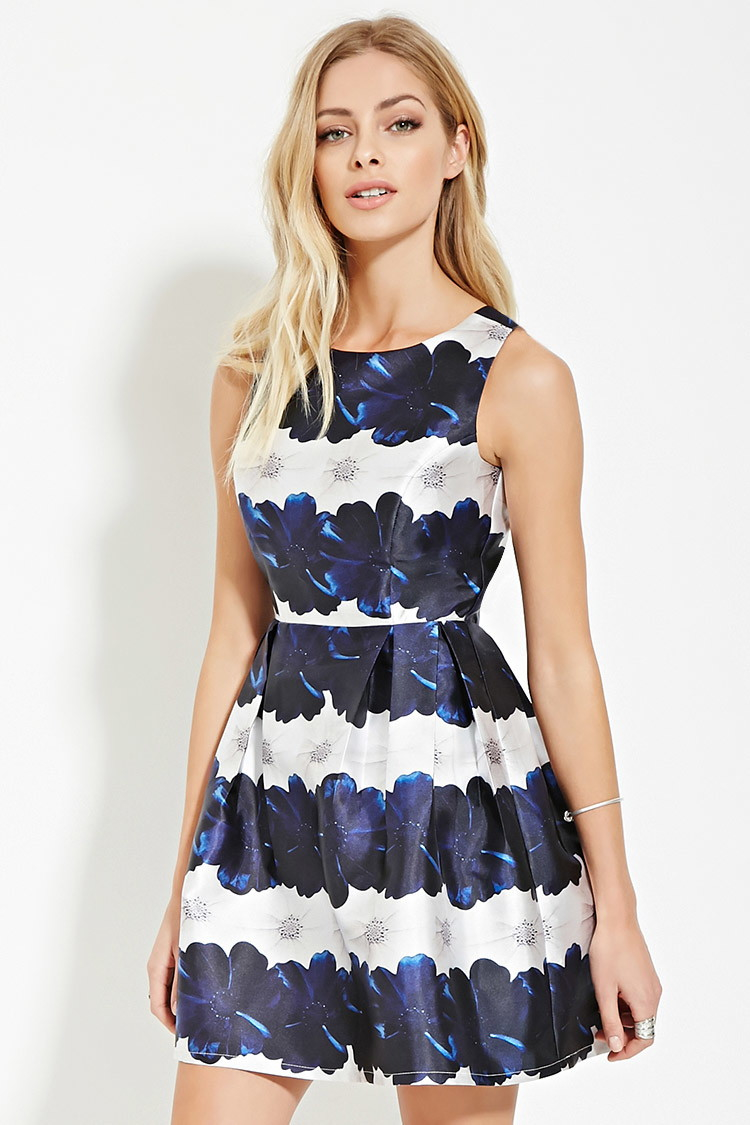 Forever 21 Contemporary Floral Pleat Dress in Blue | Lyst