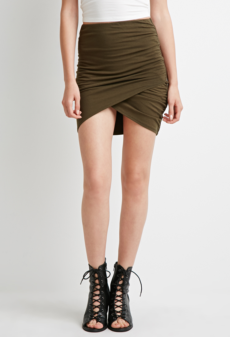 Forever 21 Ruched Tulip-front Mini Skirt in Green | Lyst