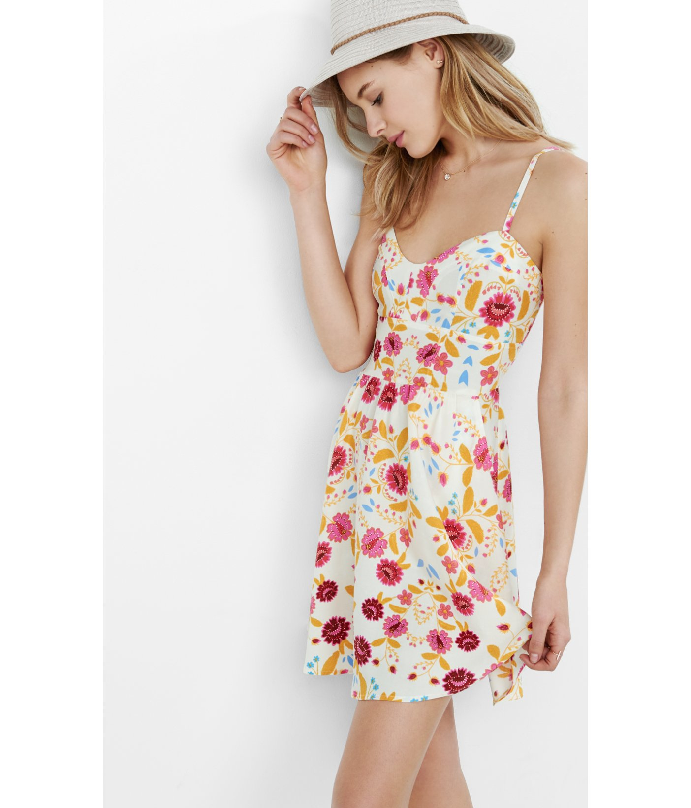 Sweetheart Neckline Sundresses