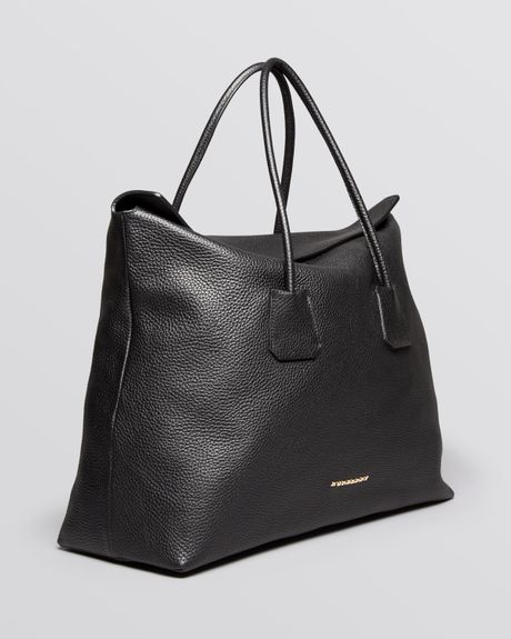 Burberry Tote London Grainy Leather Large Baynard In Black