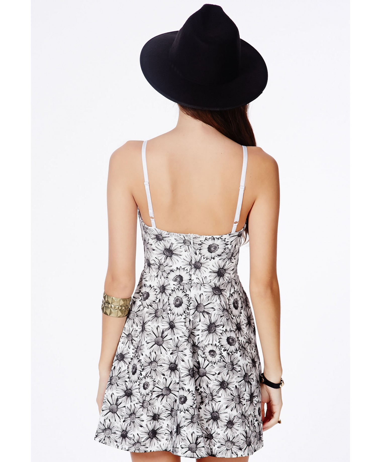 6e1d9a8666 Missguided Arisa Black Skater Dress In Daisy Print in Black - Lyst