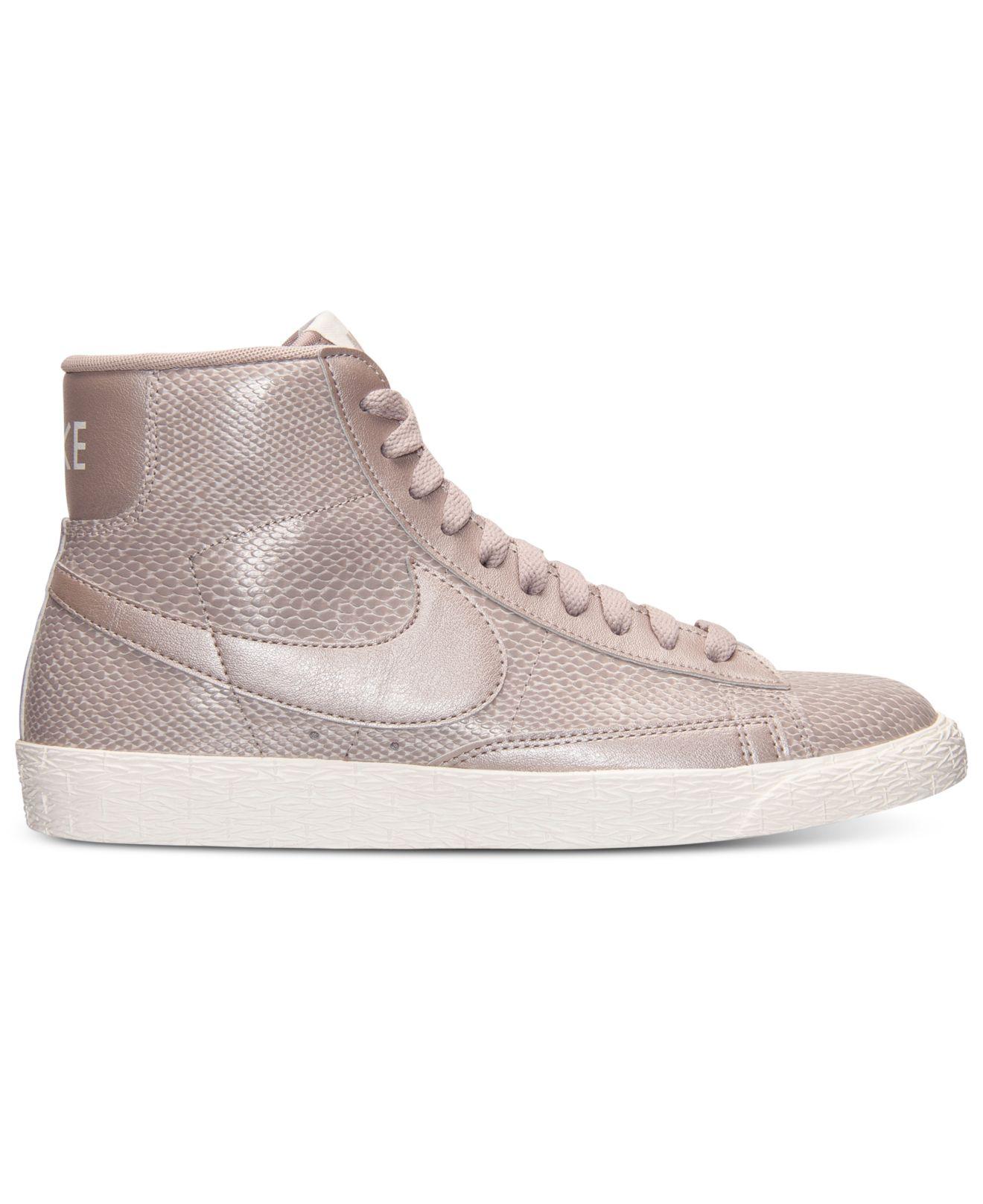 Femmes Nike Blazer Mid Premium En Cuir Chaussures De Sport Occasionnels De La Ligne Darrivée