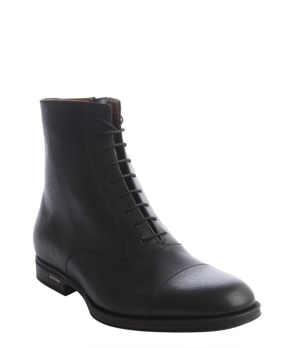gucci black textured leather lace up cap toe boots in