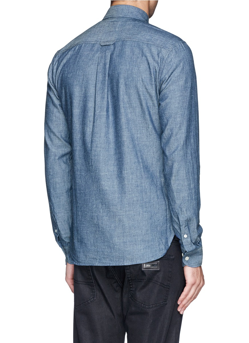 Chambray differs from denim in that