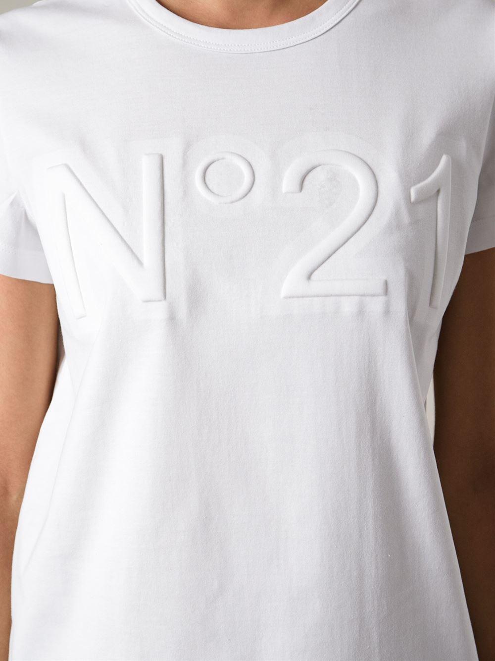 bf1f232c42 N°21 Logo Embossed Tshirt in White - Lyst