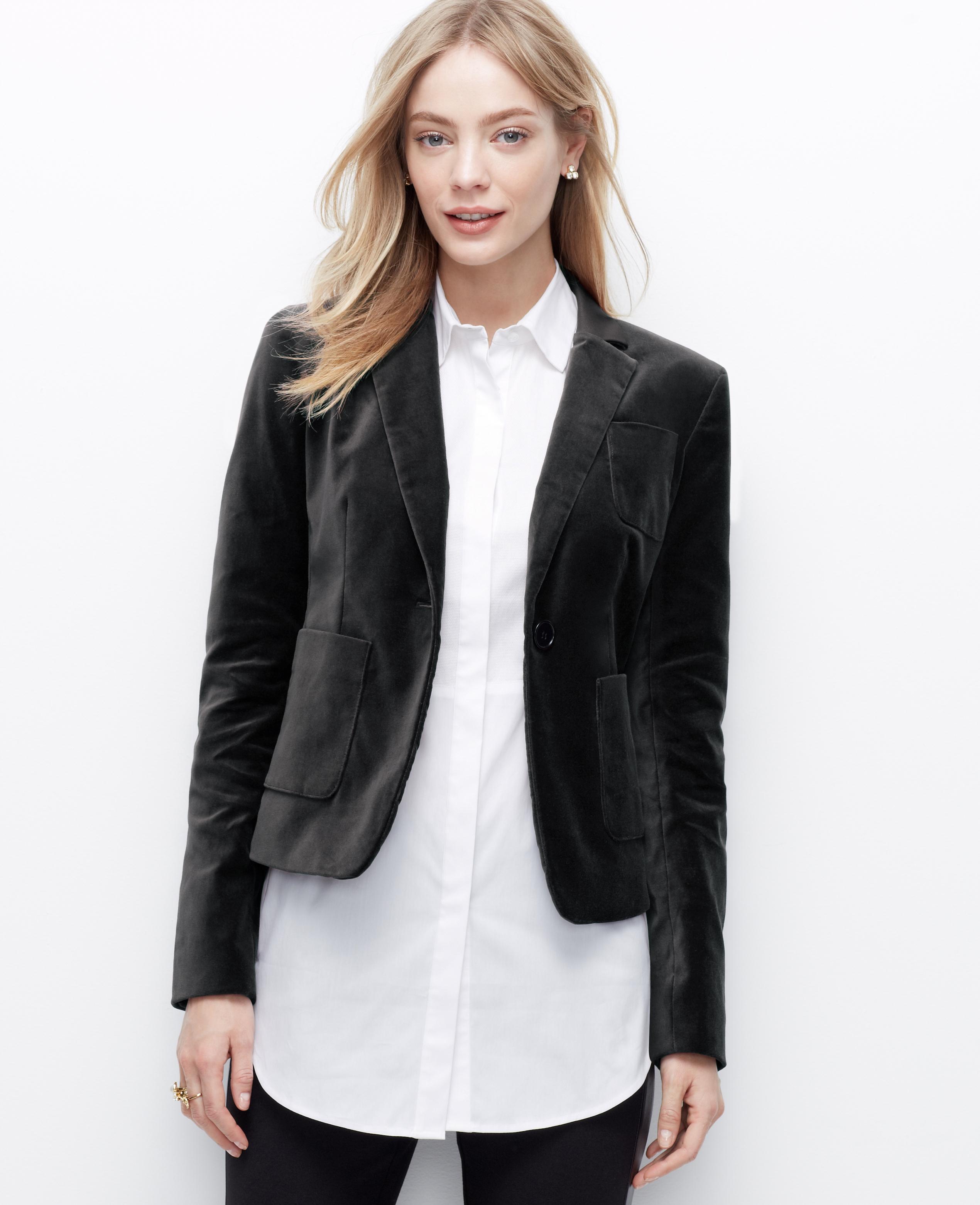 Ann taylor Petite Velvet Blazer in Black | Lyst