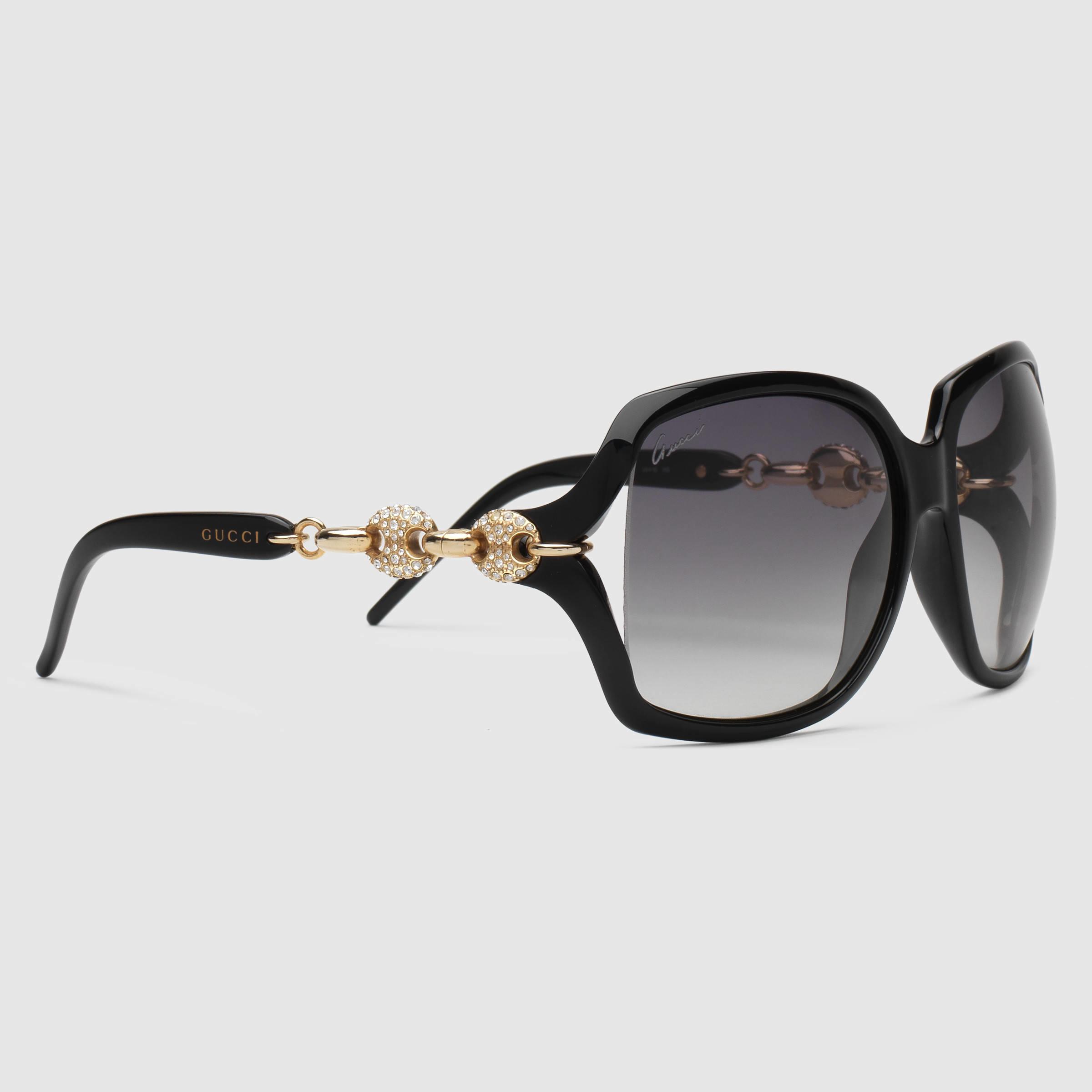 c2f7330eed0 Gucci Crystal Marina Chain Sunglasses in Black - Lyst