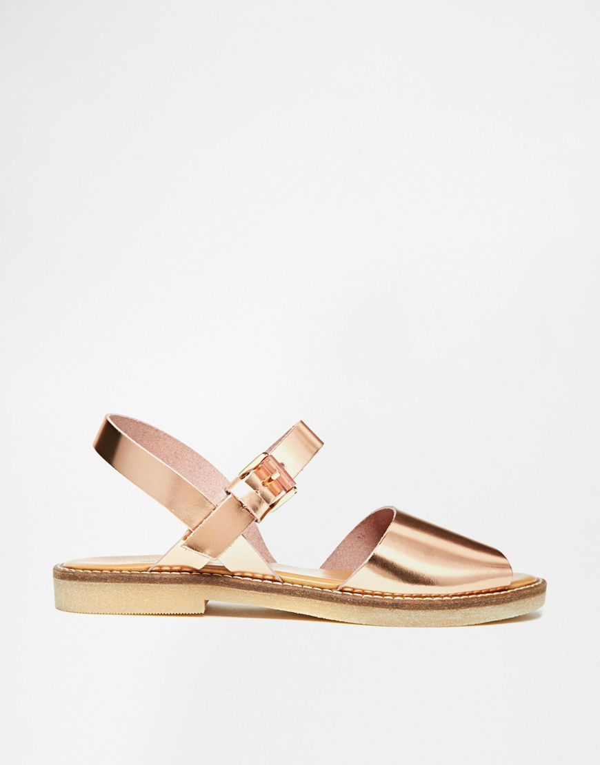 lyst   aldo roncari rose gold leather flat sandals in pink