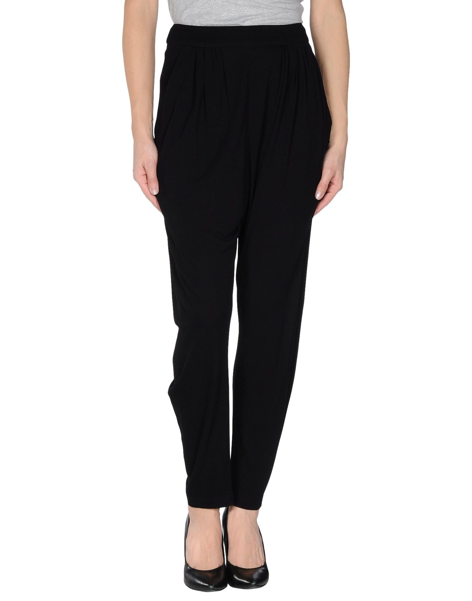 Putting a statement look together is simple when you start with a pair of our women's harem pants. Browse our affordable selection of cropped, patterned and classic harem pants perfect for casual and dressy events alike.