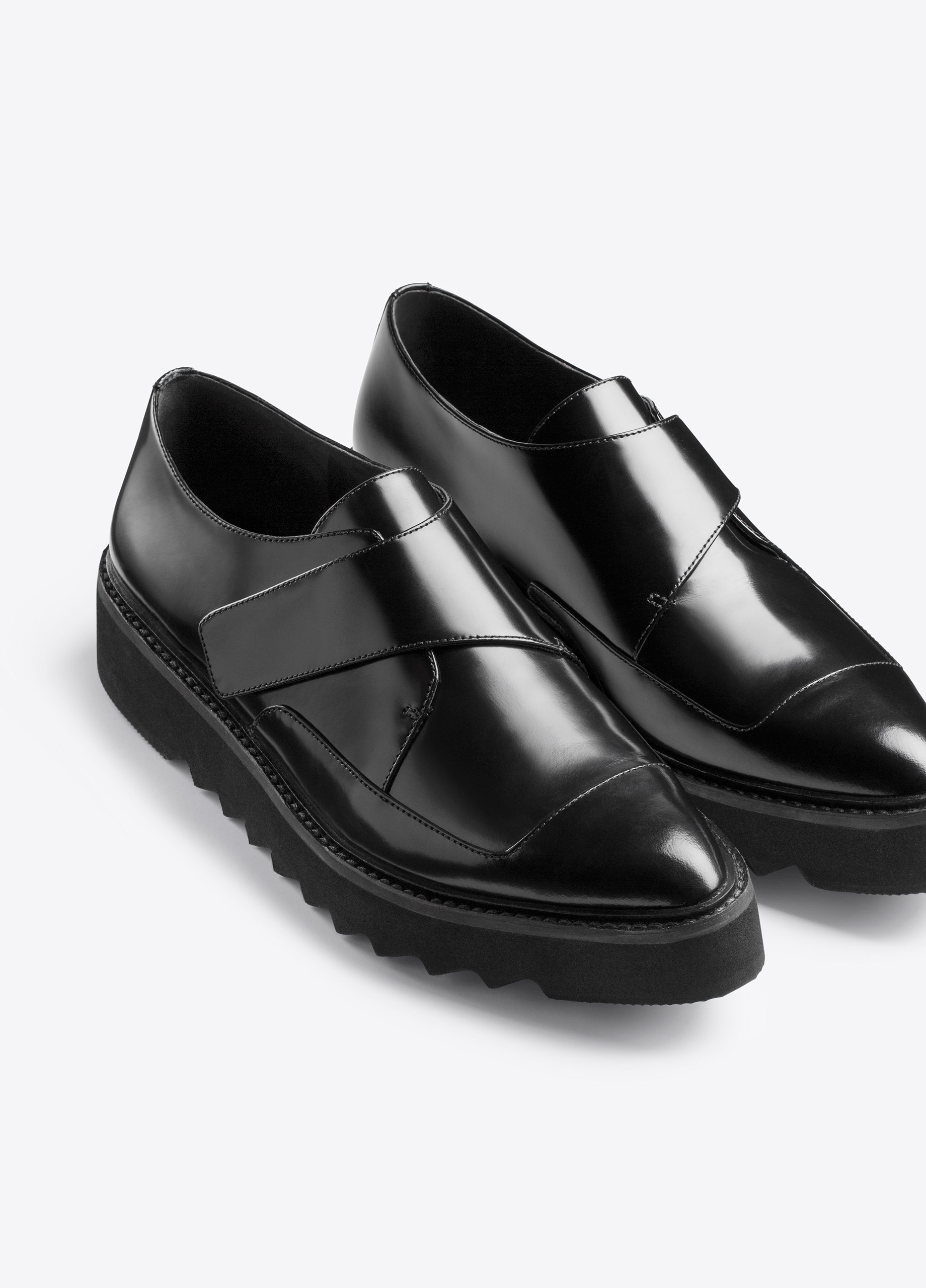 how to break in leather loafers