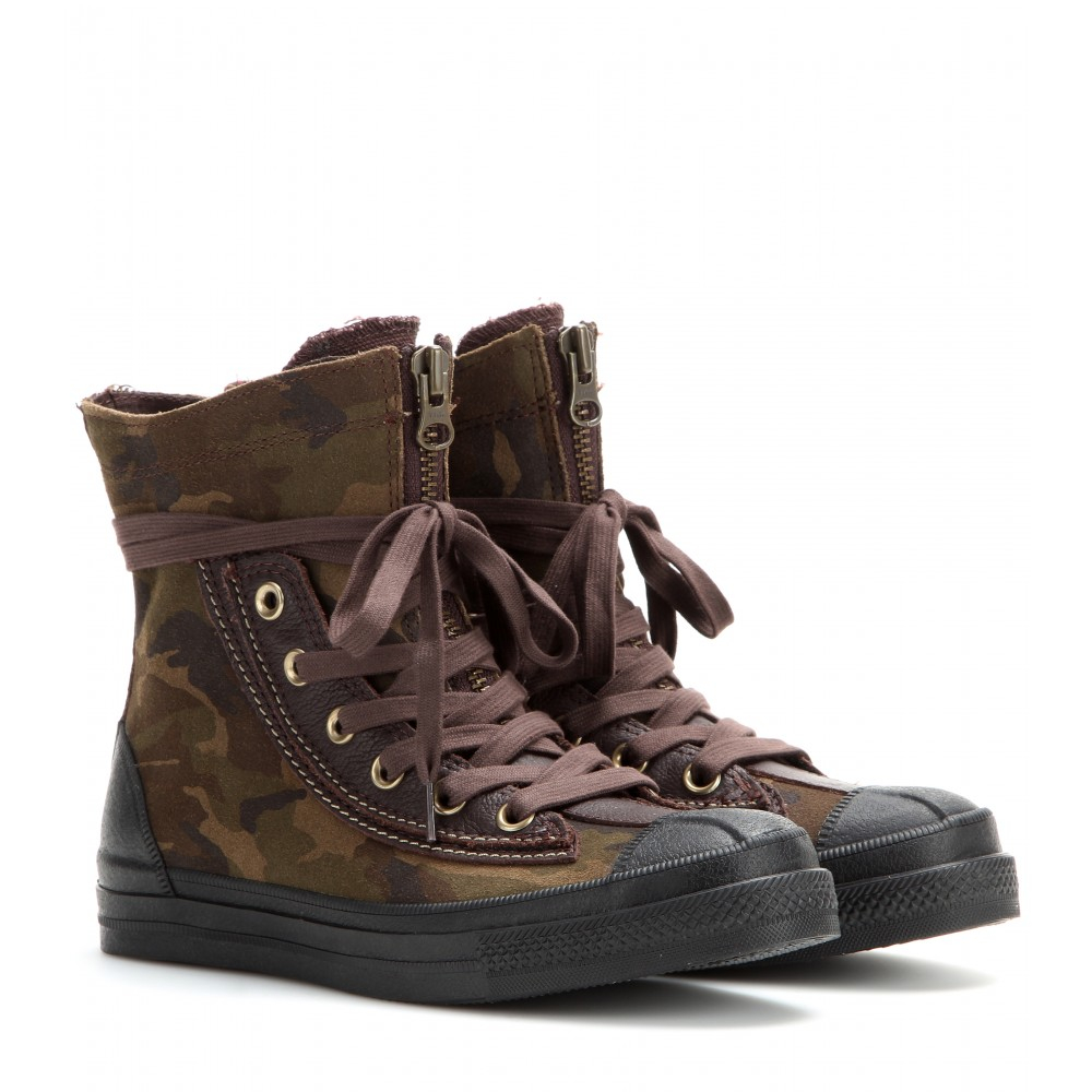 c7b35bfd9d07 Gallery. Previously sold at  Mytheresa · Women s Combat Boots Women s Converse  Chuck Taylor ...