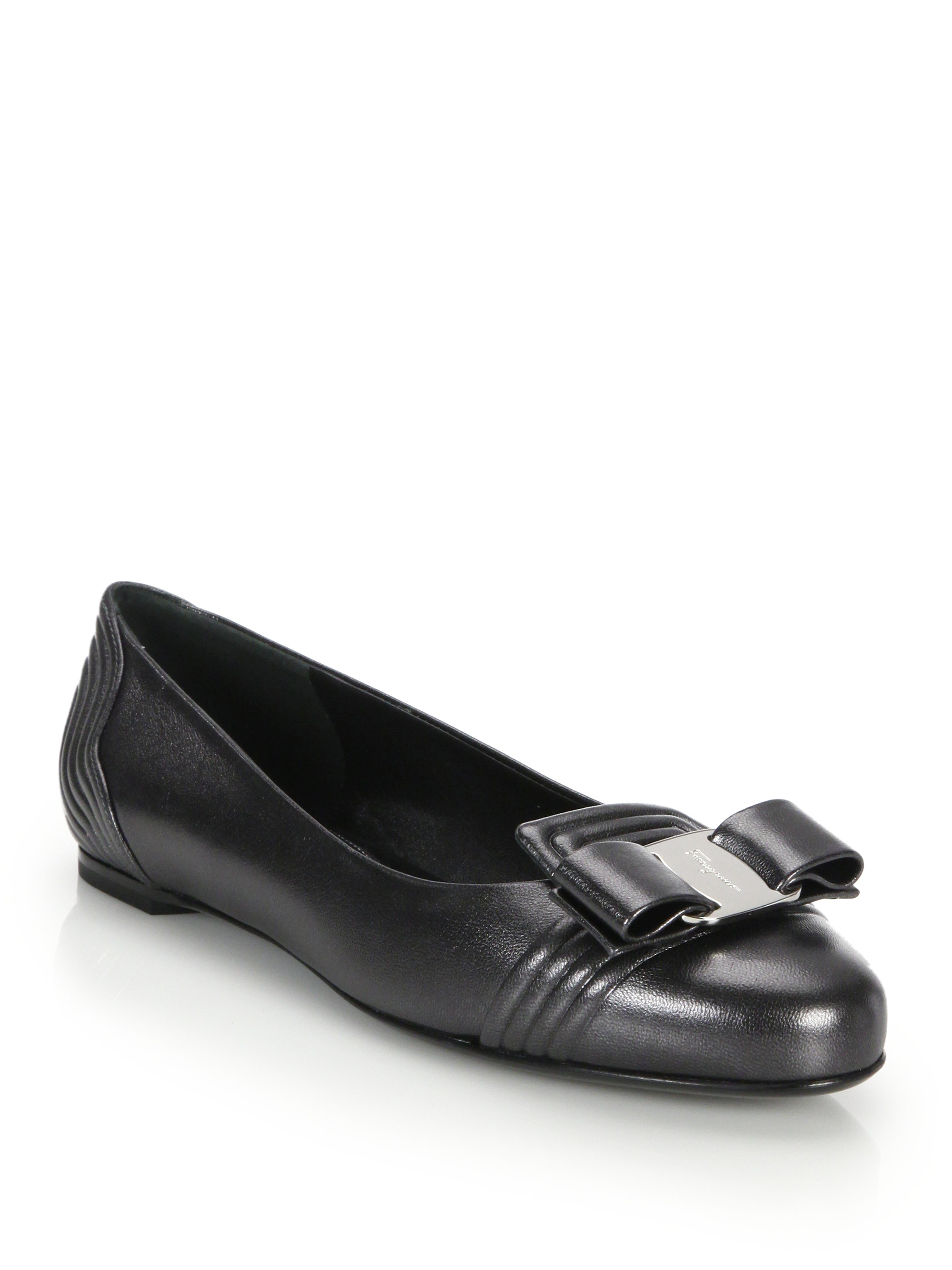 Ferragamo Lulu Embossed Leather Bow Flats in Gray - Lyst