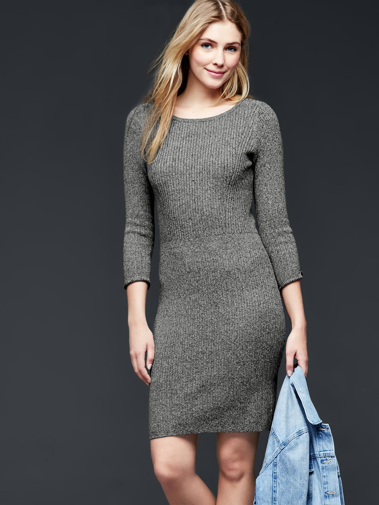 Gap is your source with a fashionable long sleeve maternity dresses collection that is always quality made. Browse our long sleeve maternity dress selection for colors, prints, and patterns you will love.