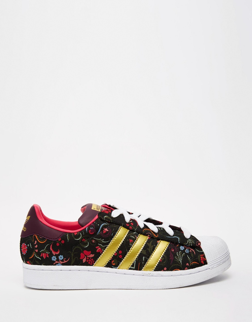 adidas originals floral print superstar with white shell trainers in multicolor multi lyst. Black Bedroom Furniture Sets. Home Design Ideas