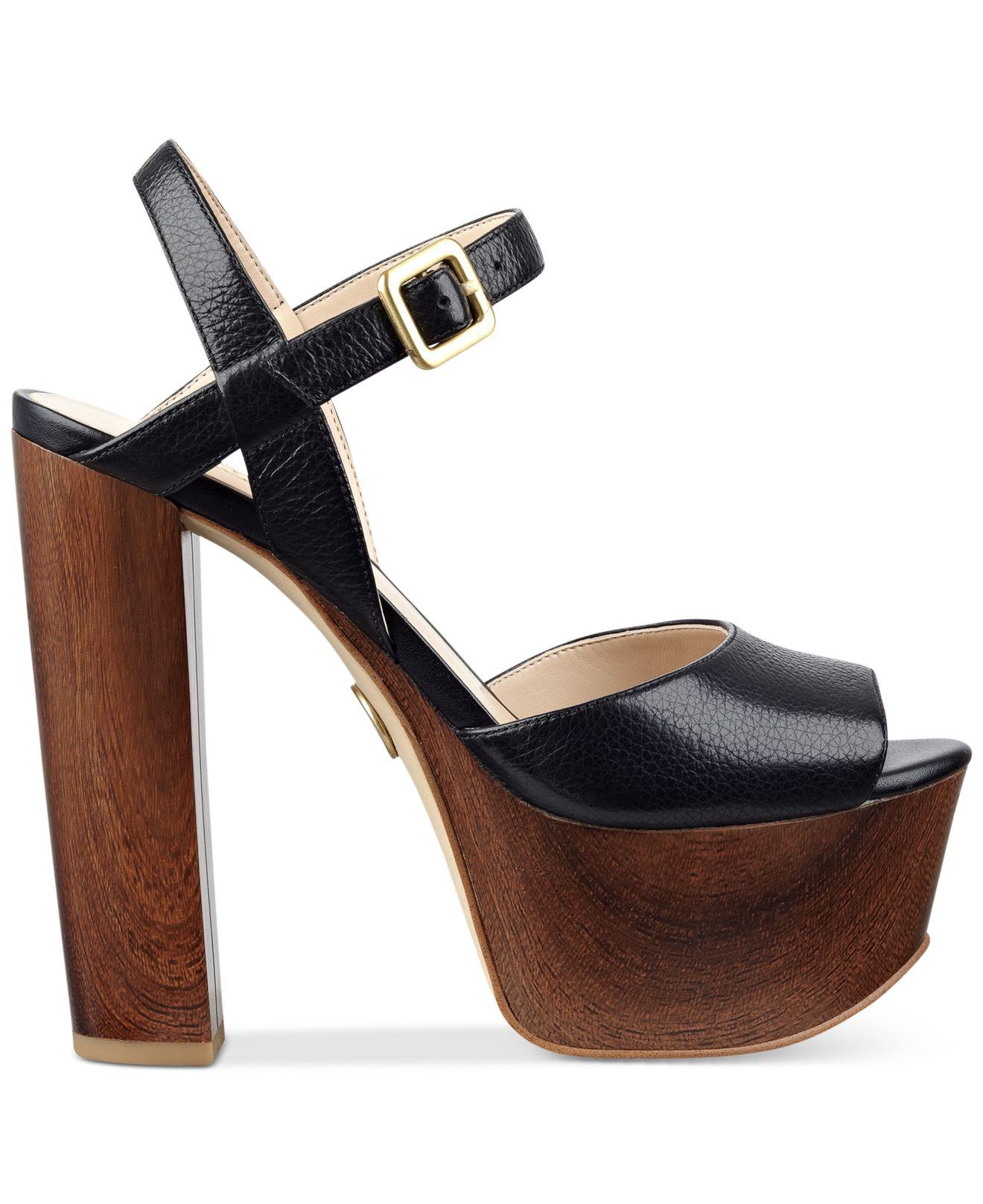guess s den platform sandals in brown lyst