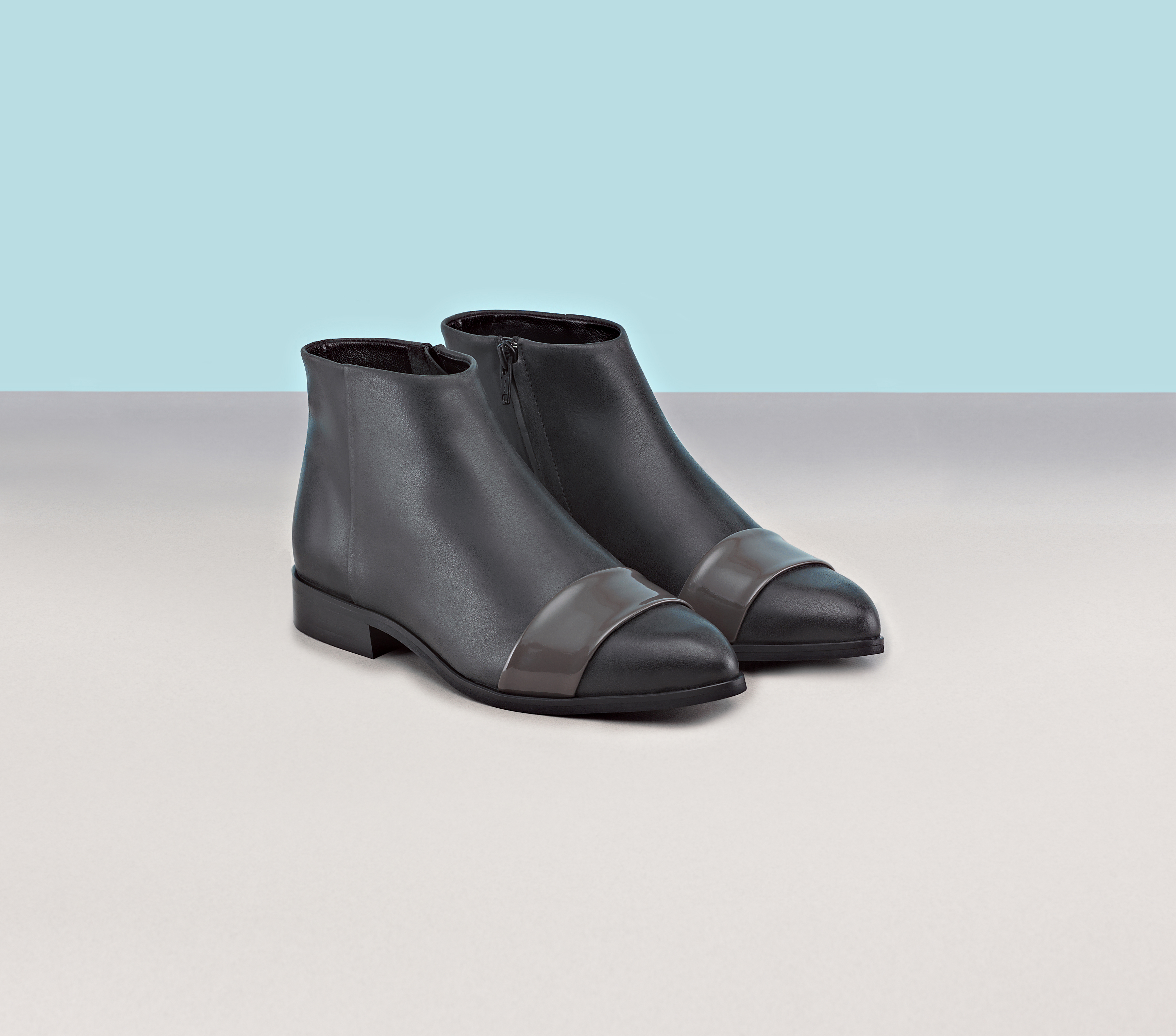 finery hendrick leather flat ankle boots in gray