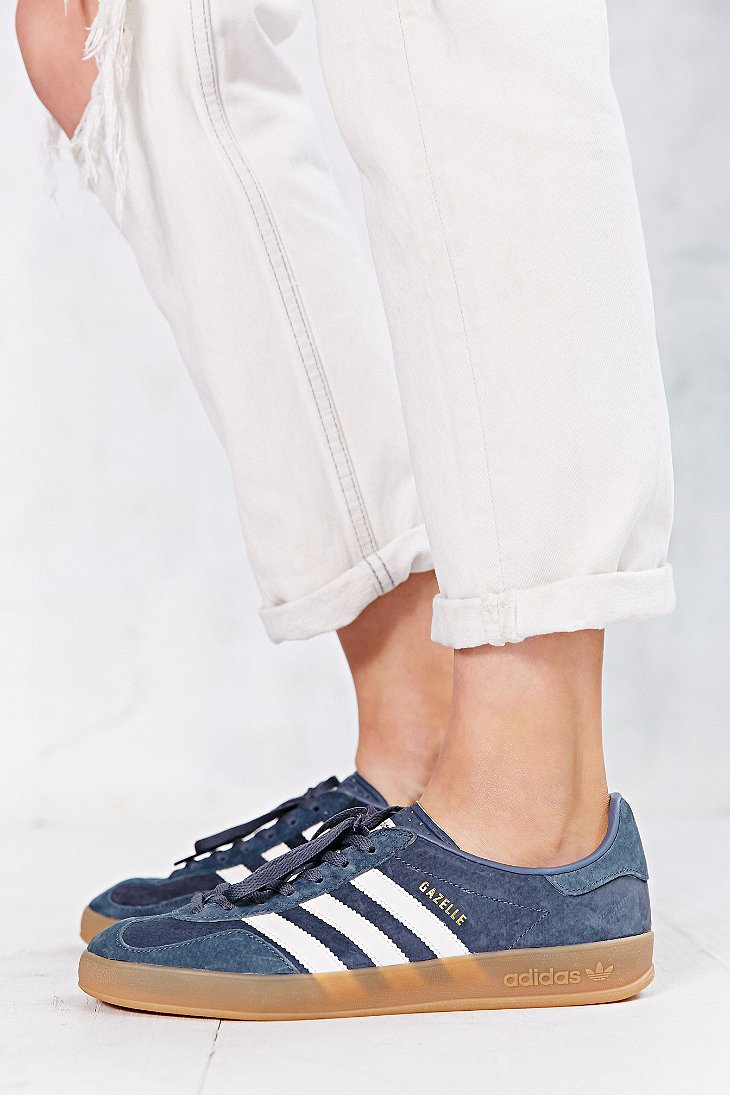 adidas originals gazelle sneakers in pale gray