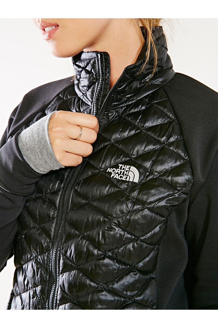 North face women's momentum thermoball hybrid jacket