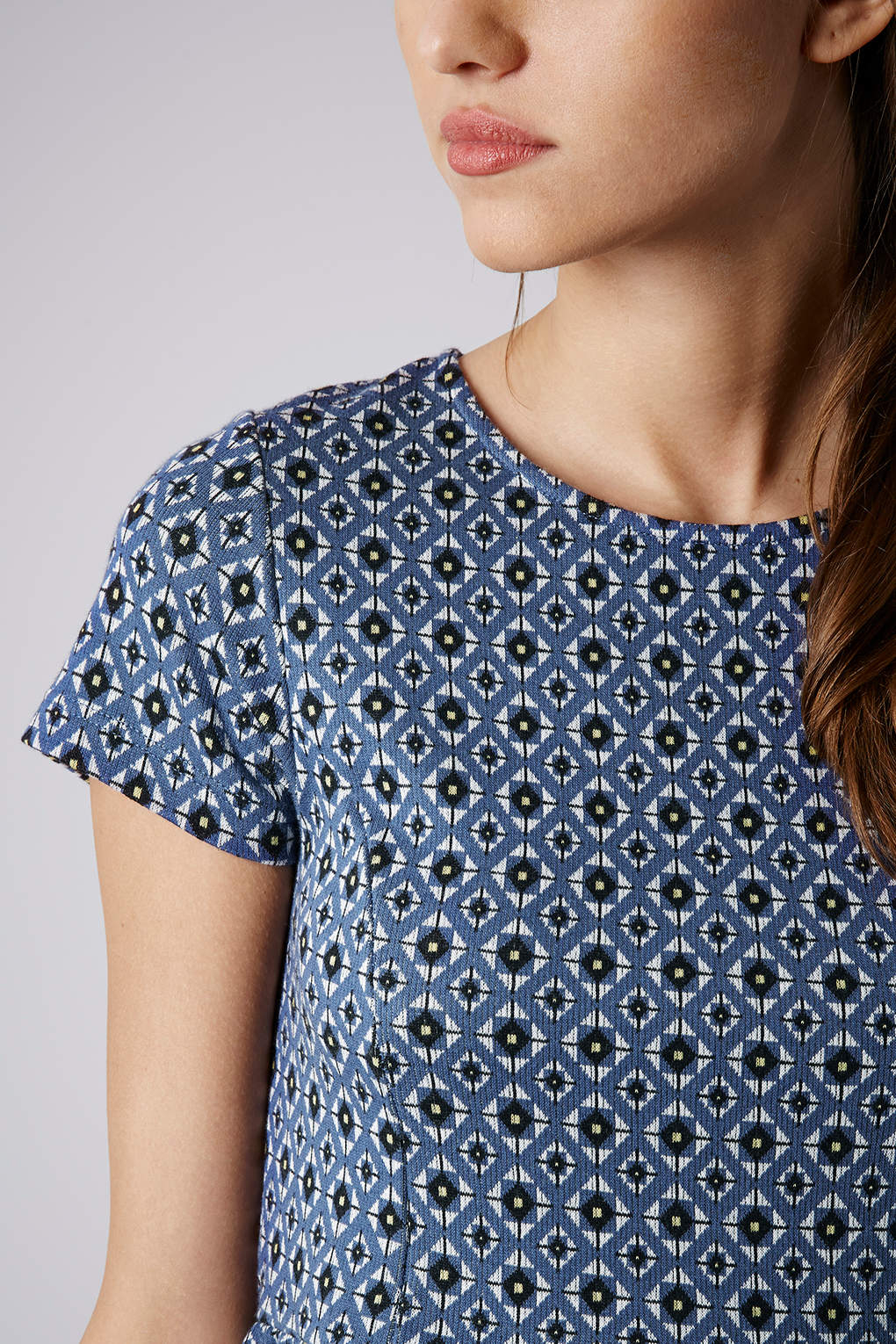 c94ee7a6573 Lyst - TOPSHOP Petite Tile Print Tunic Dress in Blue