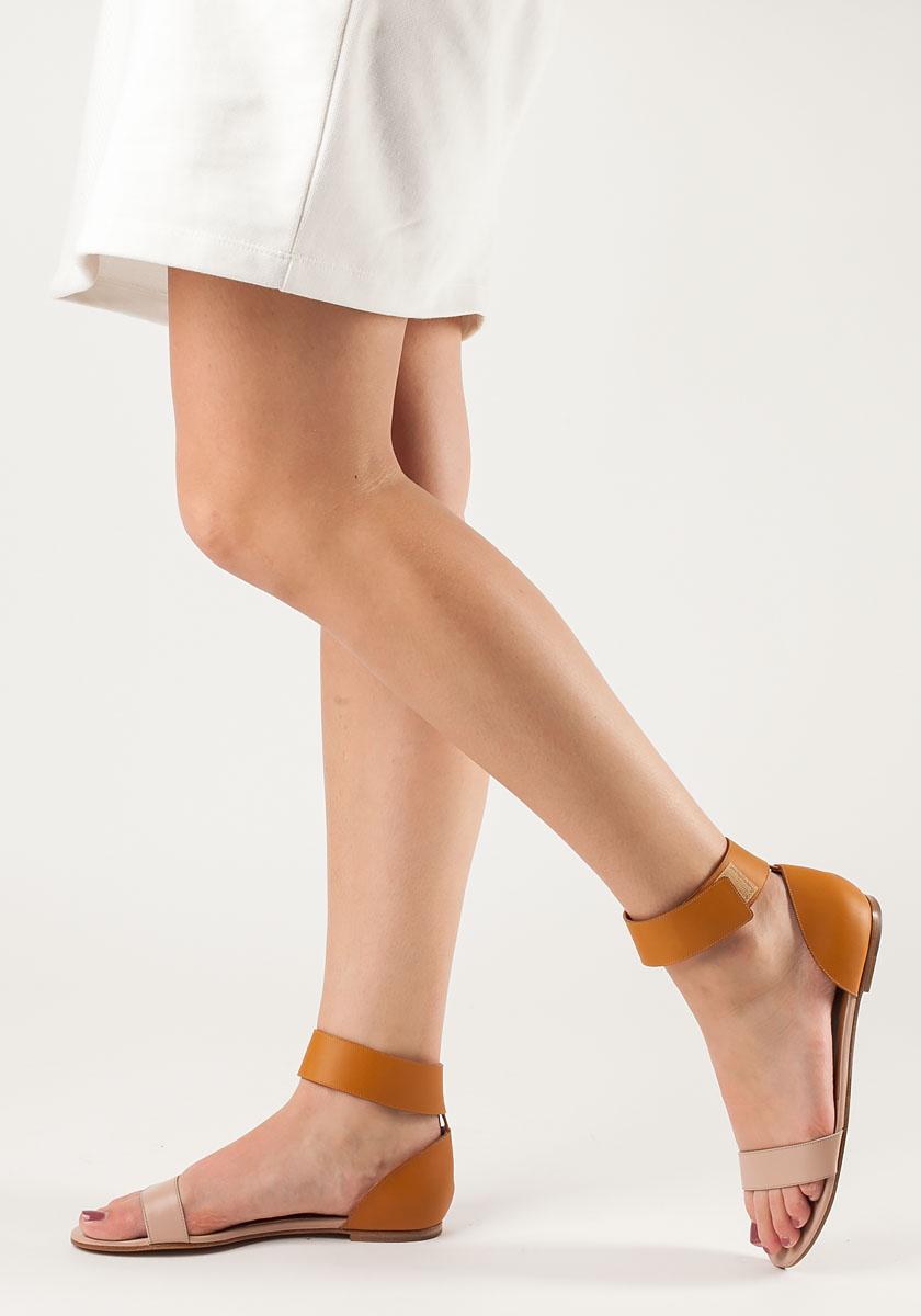 Lyst - Chloé Two-Tone Flat Sandal Nude Leather in Orange b7acceba9c3