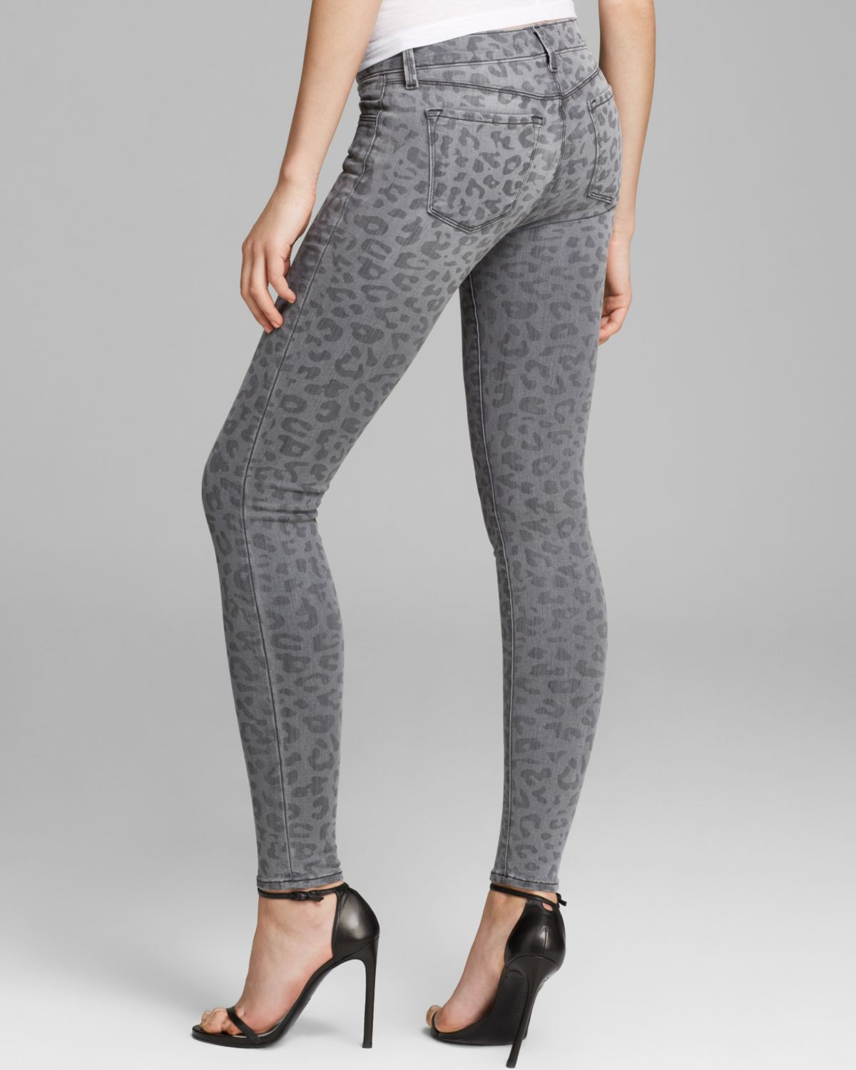 J brand Jeans Leopard Printed Skinny in Onyx in Gray | Lyst