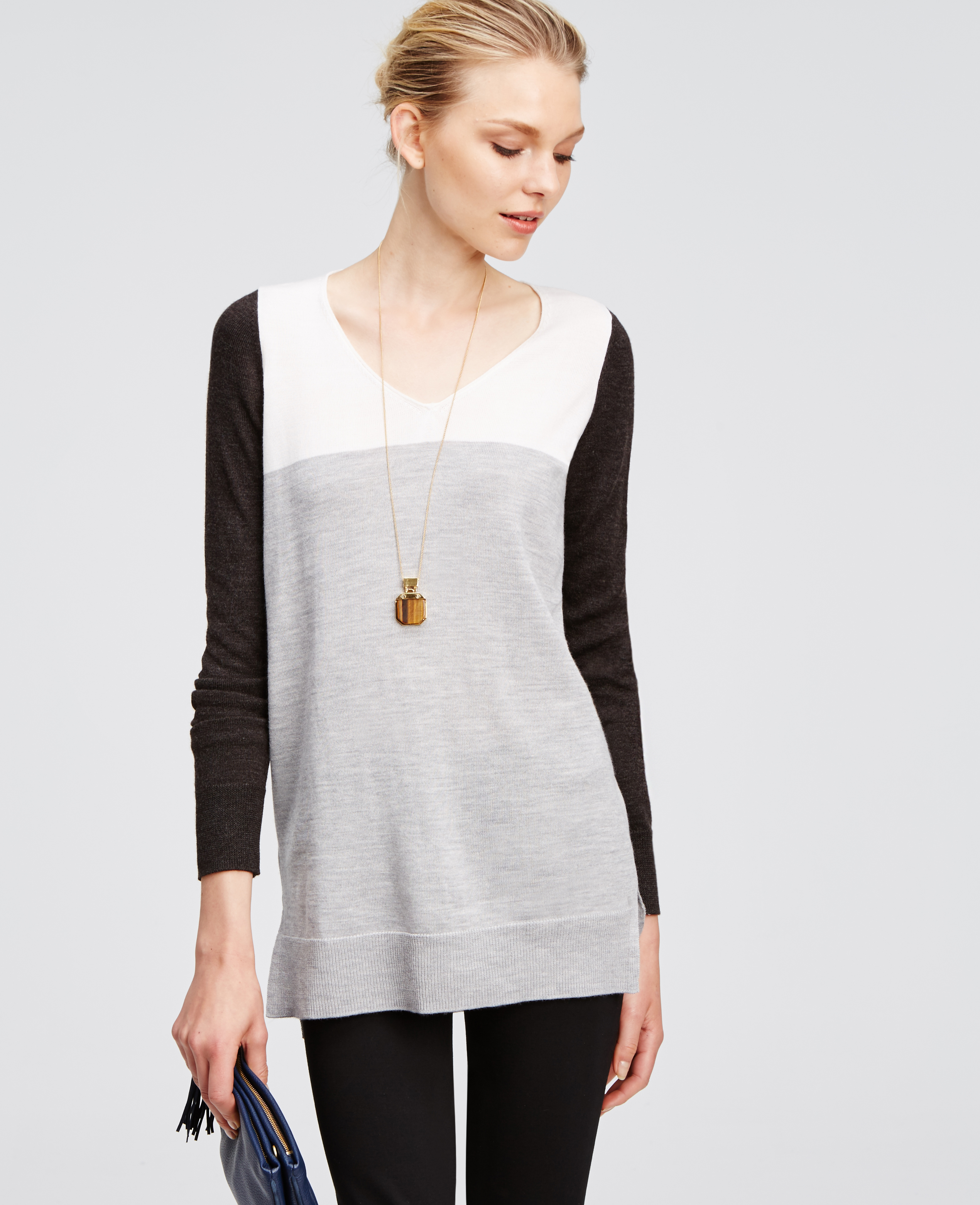 Ann taylor Petite Colorblock V-neck Tunic Sweater in Gray | Lyst