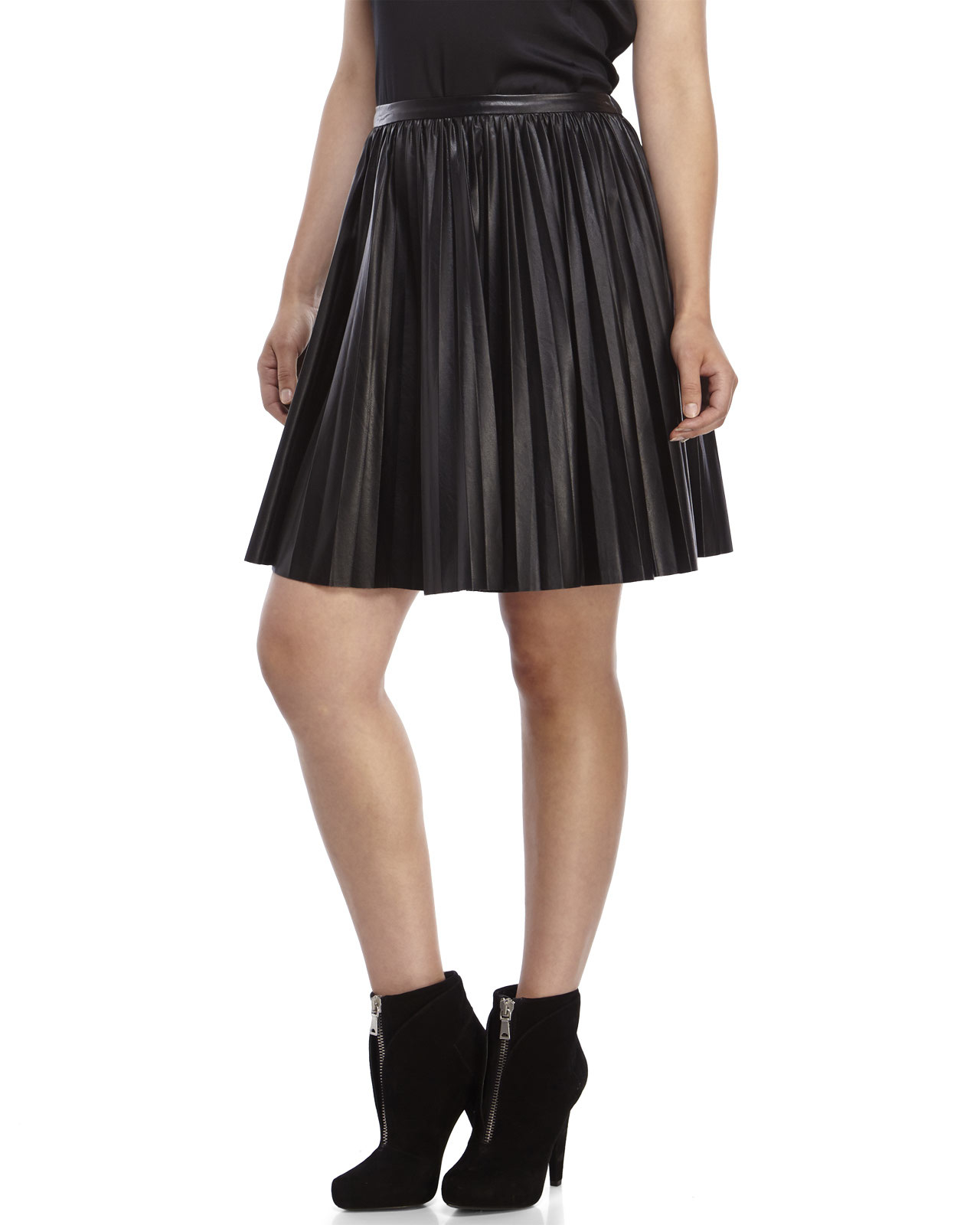 an ge black pleated faux leather skirt in black lyst