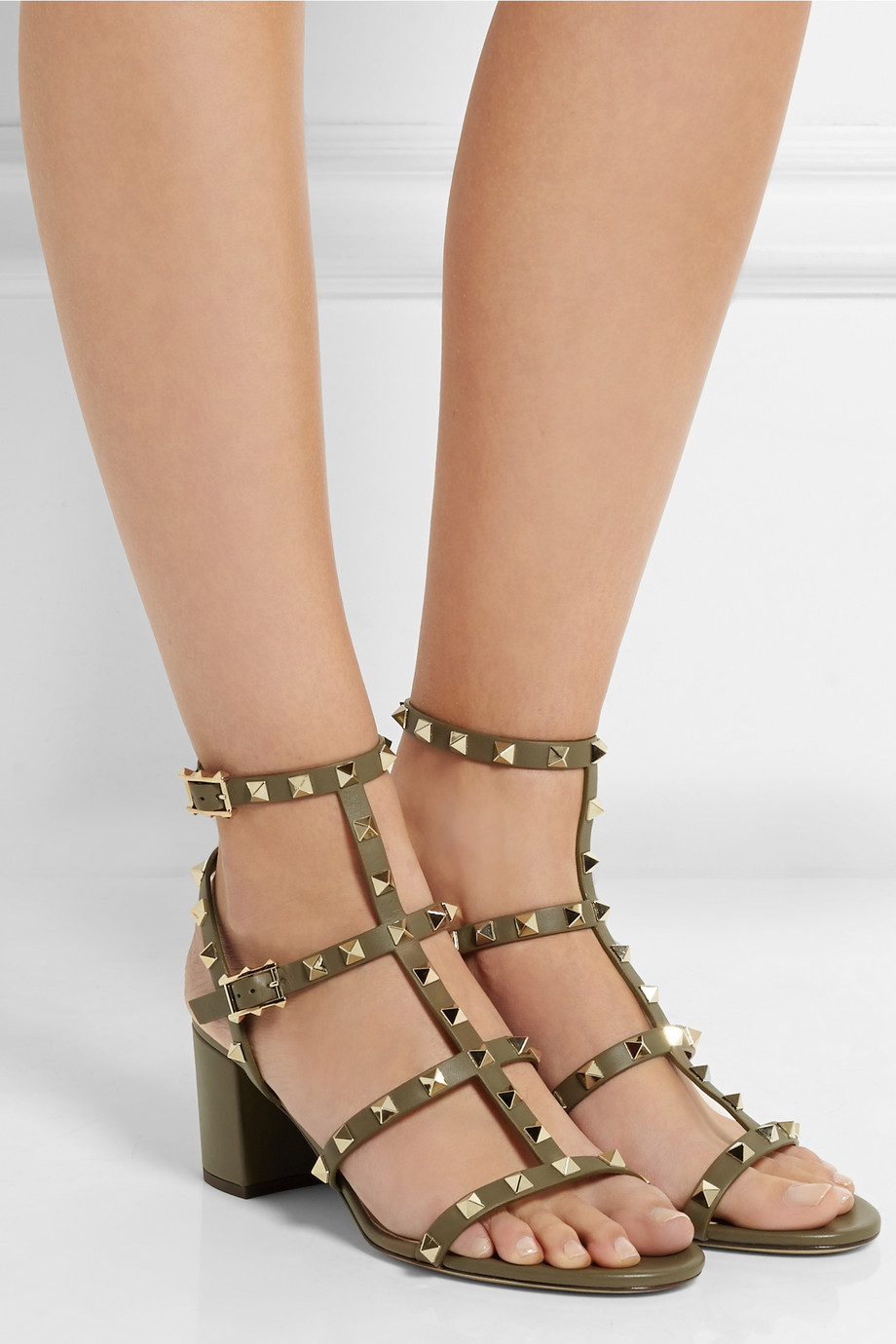 171b70f1e6b9 Lyst - Valentino Rockstud Leather Sandals in Green