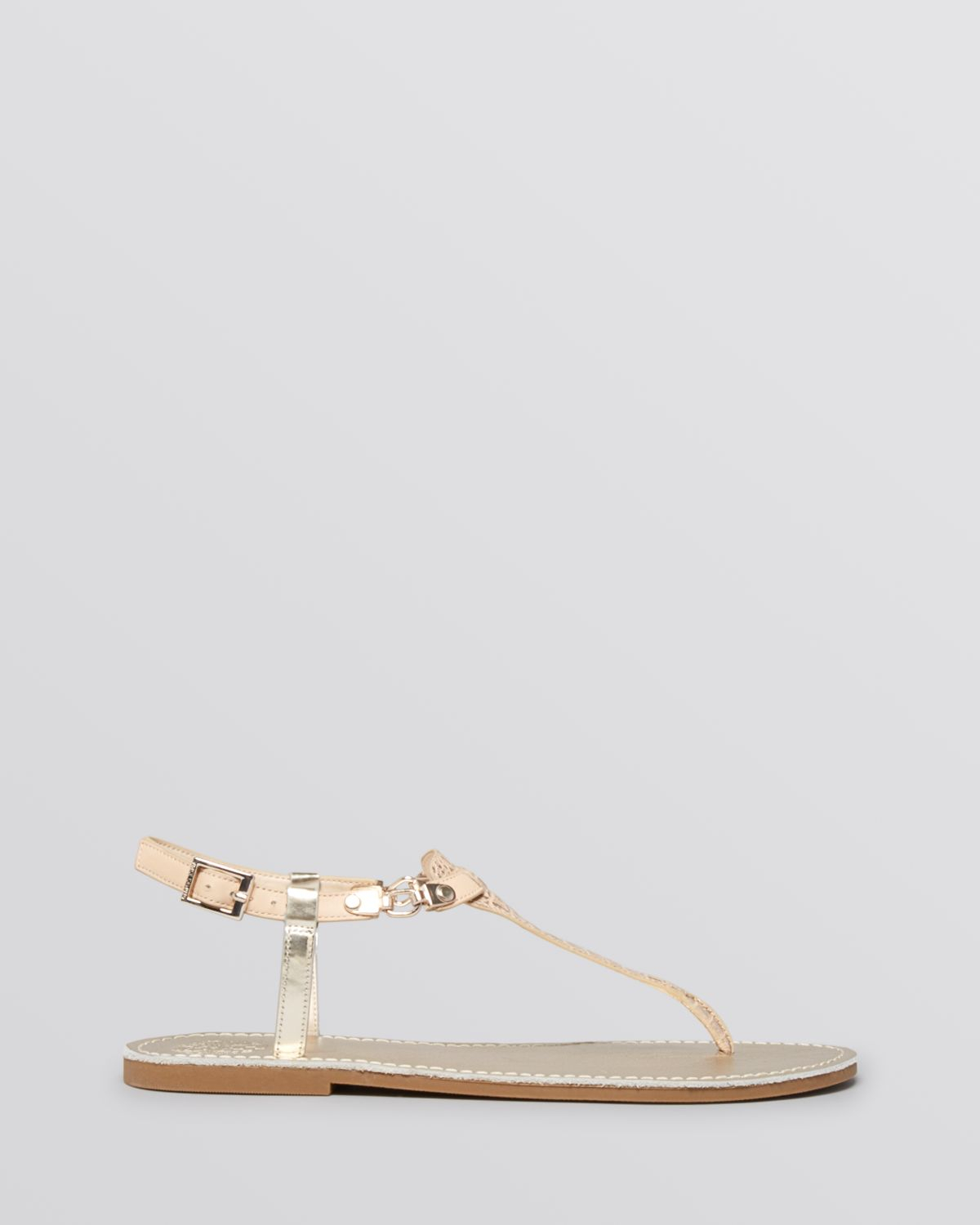 088a7d2e40d1 Vince Camuto Flat Thong Sandals Itelli Chain in Natural - Lyst