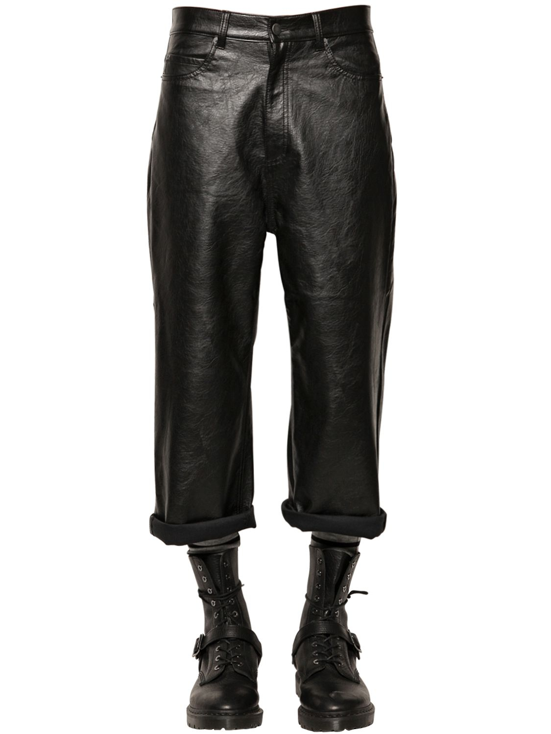 You will find a high quality cheap leather pants at an affordable price from brands like BONJEAN. We also know that personalization is in the details, so we offer many different cheap leather pants Color like Black, Red, White, Blue, Pink, Beige, Brown, Gold, Gray, Green, and others.