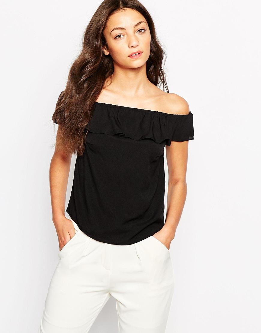 5d842f6941b23d Lyst - Vero Moda Off The Shoulder Gypsy Top in Black