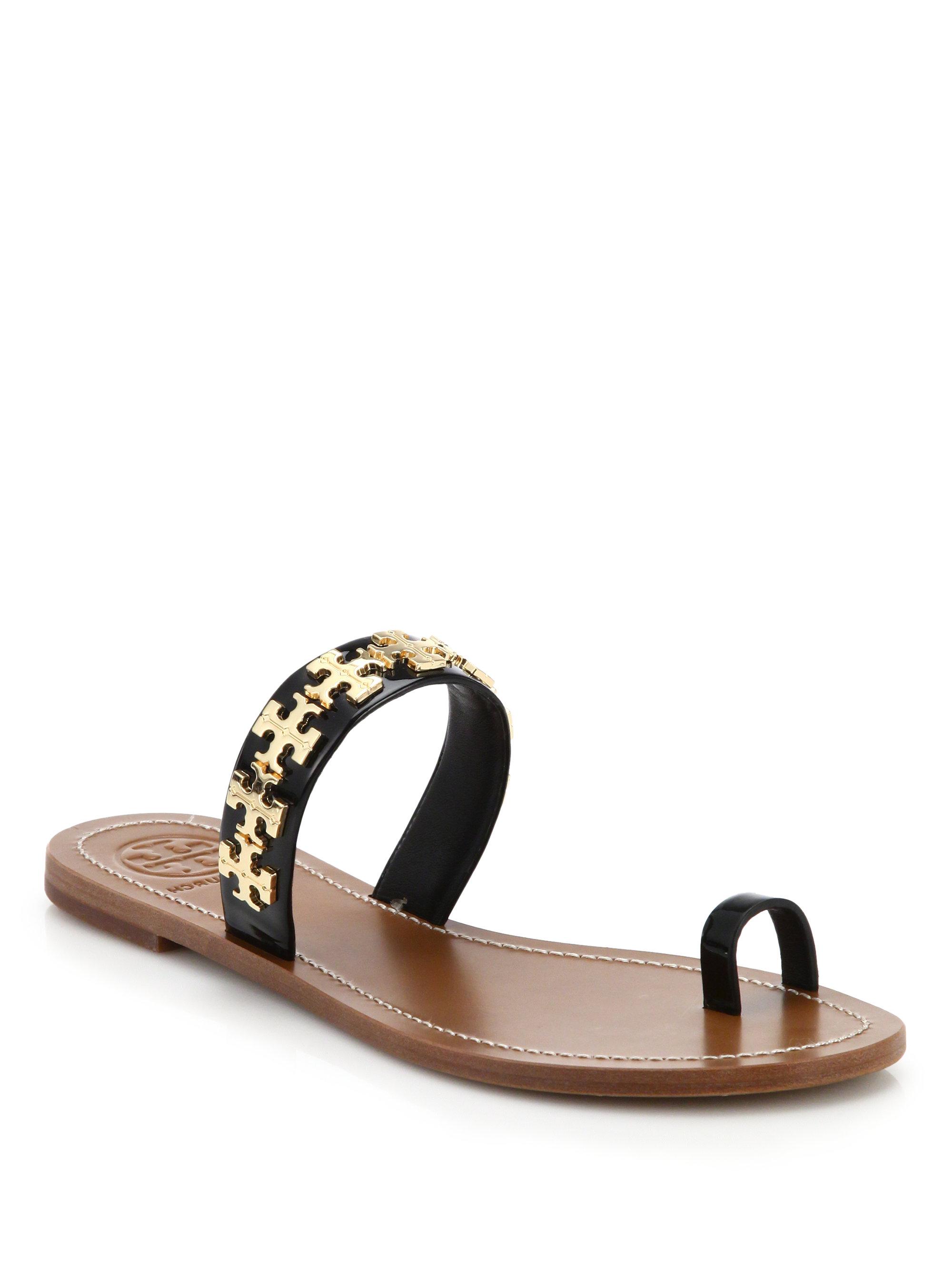 bcff631f7ca9b1 Lyst - Tory Burch Val Metal Logo   Leather Toe-ring Sandals in Metallic