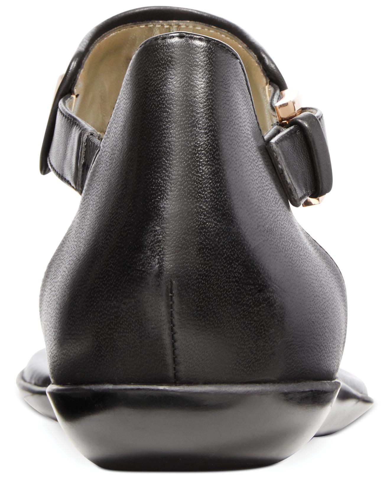 83f7a9f4fe92b3 Lyst - Bandolino Jagger Sandals in Black
