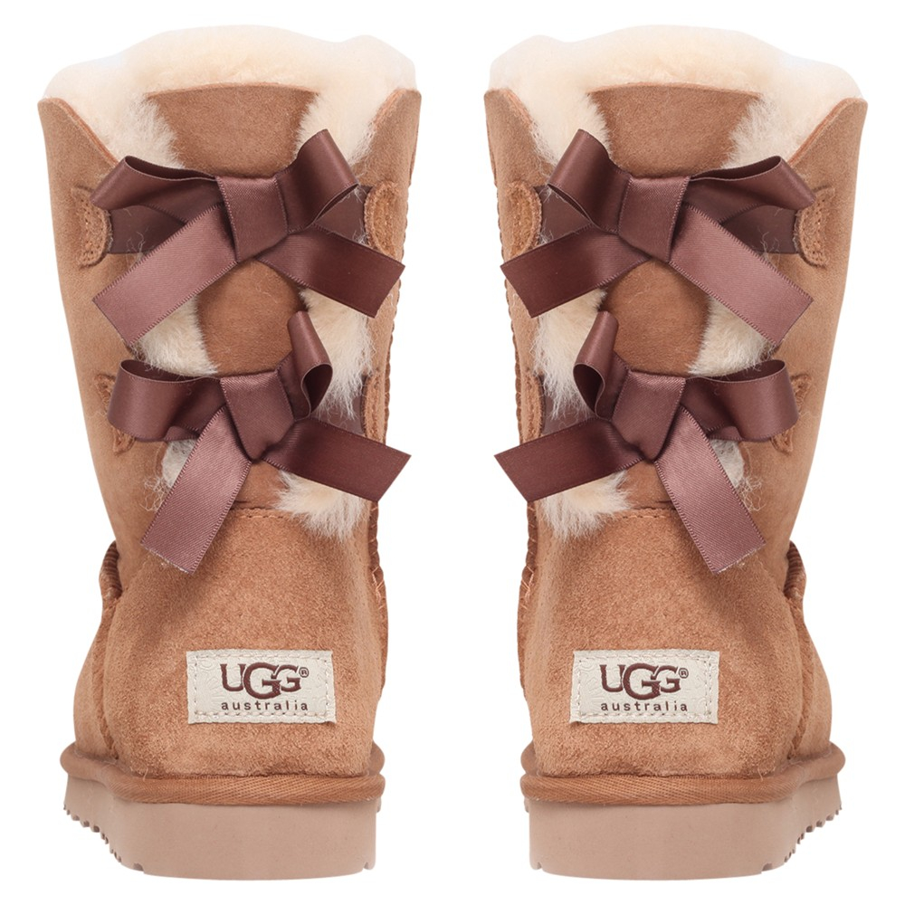 ... short brown uggs with bows