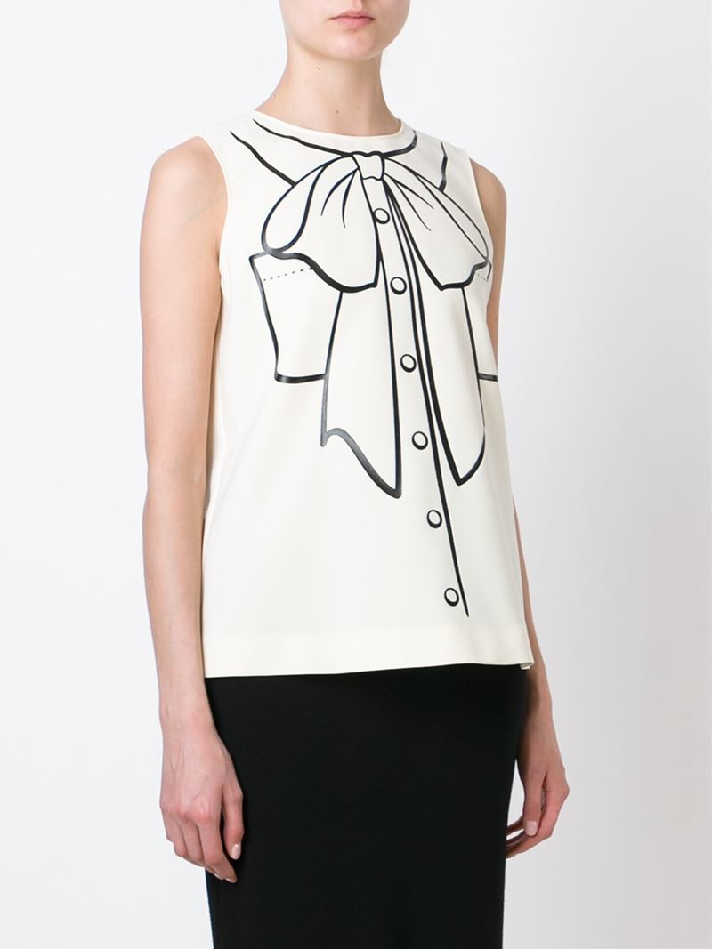 Lyst boutique moschino pussy bow print tank top in natural for Boutique tops