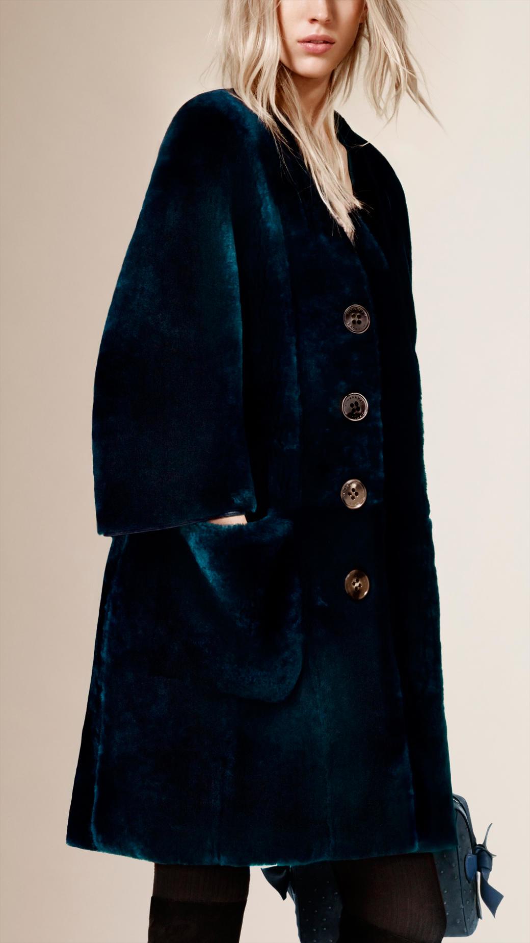 Burberry V-Neck Shearling Coat in Black | Lyst