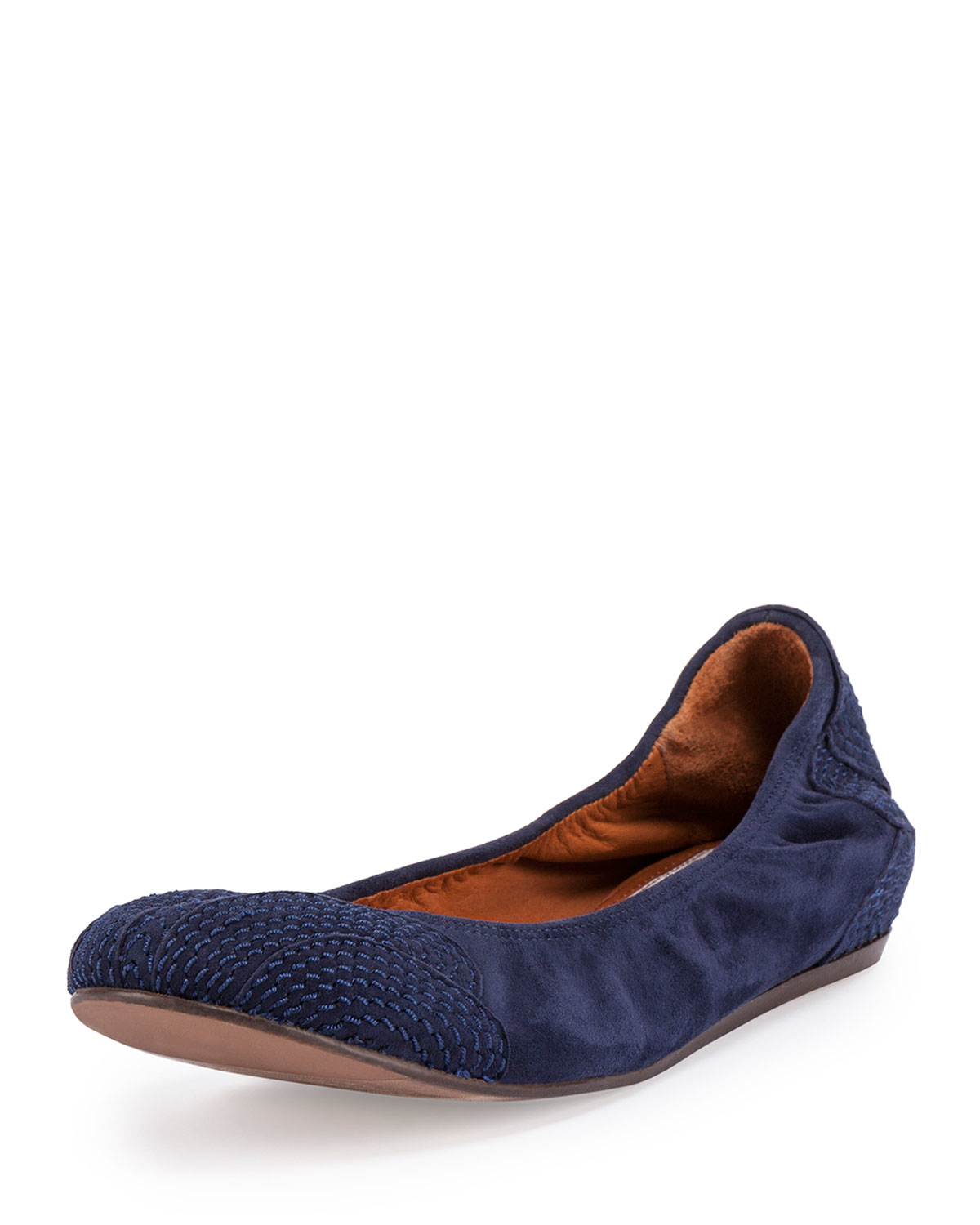California Navy Tieks embody the luxurious, yet laid-back, California lifestyle. From a day strolling the pier to a night on the town, this deep blue neutral is a sophisticated finish to any ensemble.