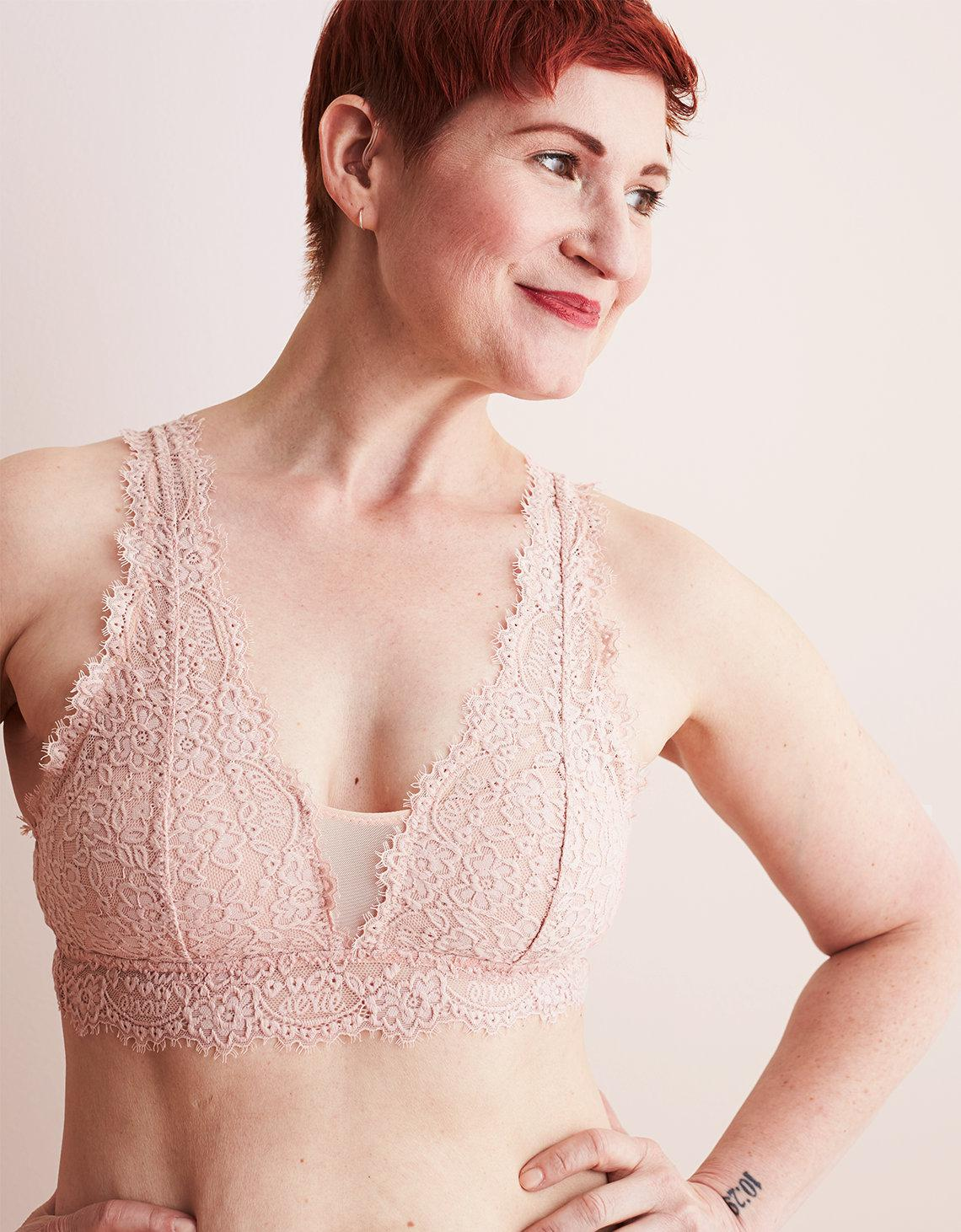 0a9e23546ffa4 Lyst - American Eagle Romantic Lace Plunge Bralette in Pink