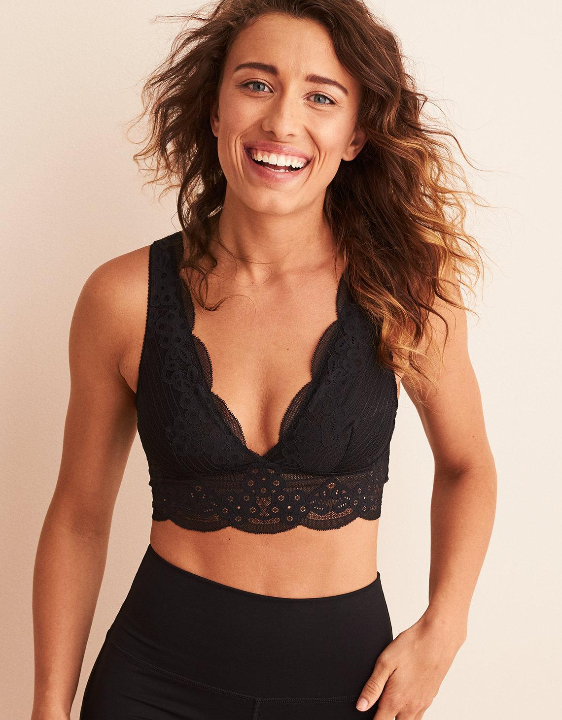 cadfe006a7ee4 Lyst - American Eagle Wonder Lace Strappy Back Bralette in Black