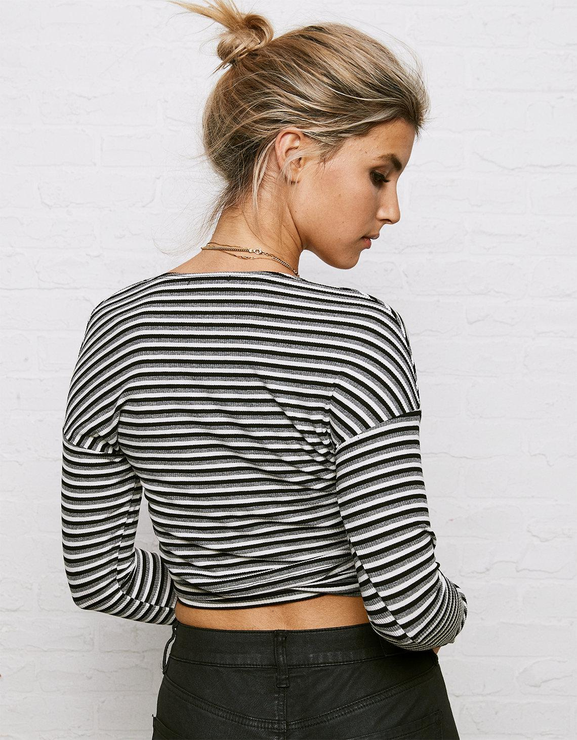 6cc0e0b62d6 American Eagle Don't Ask Why Long Sleeve Wrap Crop Top in Gray - Lyst