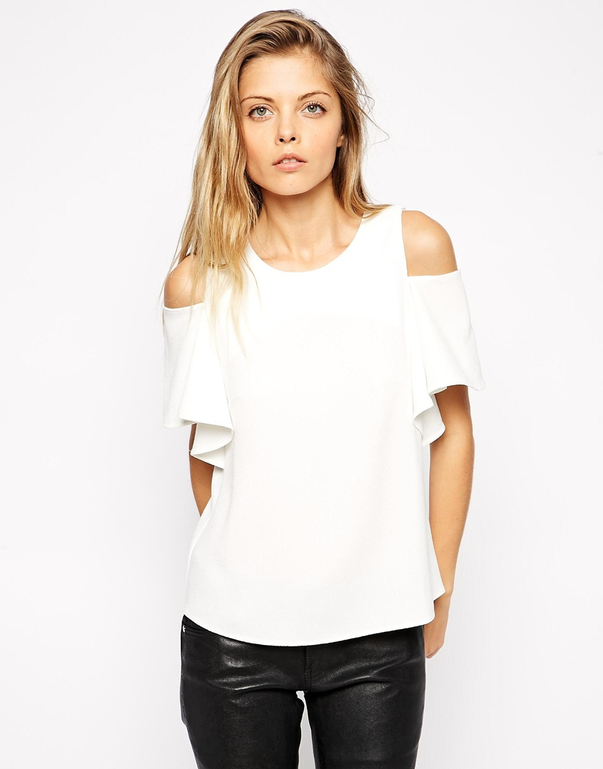 9894e847b08f05 Lyst - ASOS Crepe Ruffle Sleeve Cold Shoulder Top in White