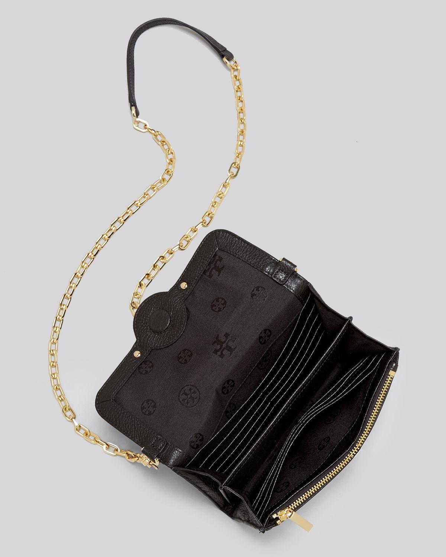 6108ba2c9b0 Lyst - Tory Burch Crossbody Amanda Wallet On A Chain in Brown