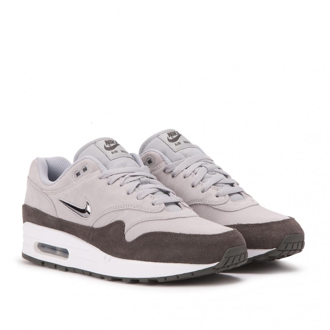 the latest 716ca 09d1a Gallery. Previously sold at  Allike · Men s Nike Air Max