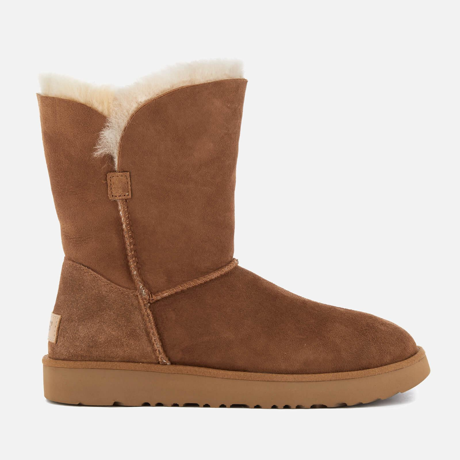 UGG. Brown Women's Classic Cuff Short Sheepskin Boots