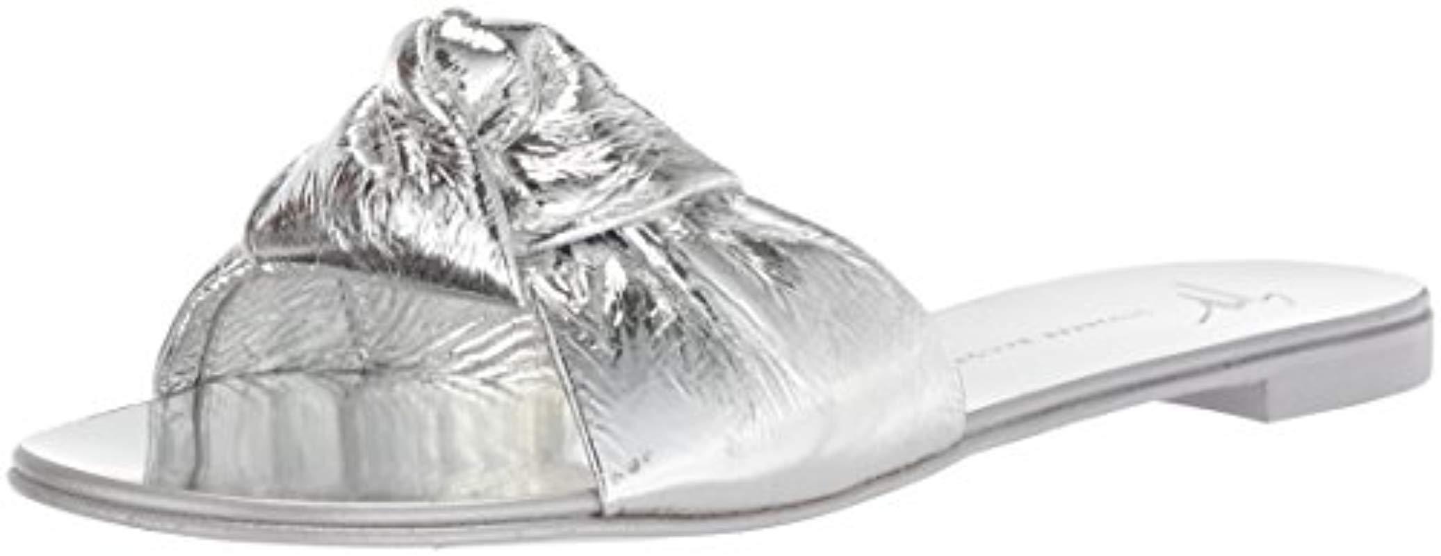 621df077ef6cc Women's E800101 Flat Sandal