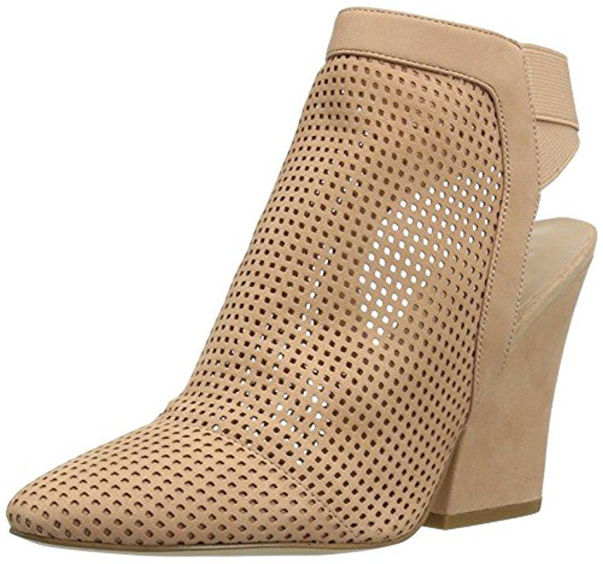 GUESS Norine Perforated Bootie 0jyoQw