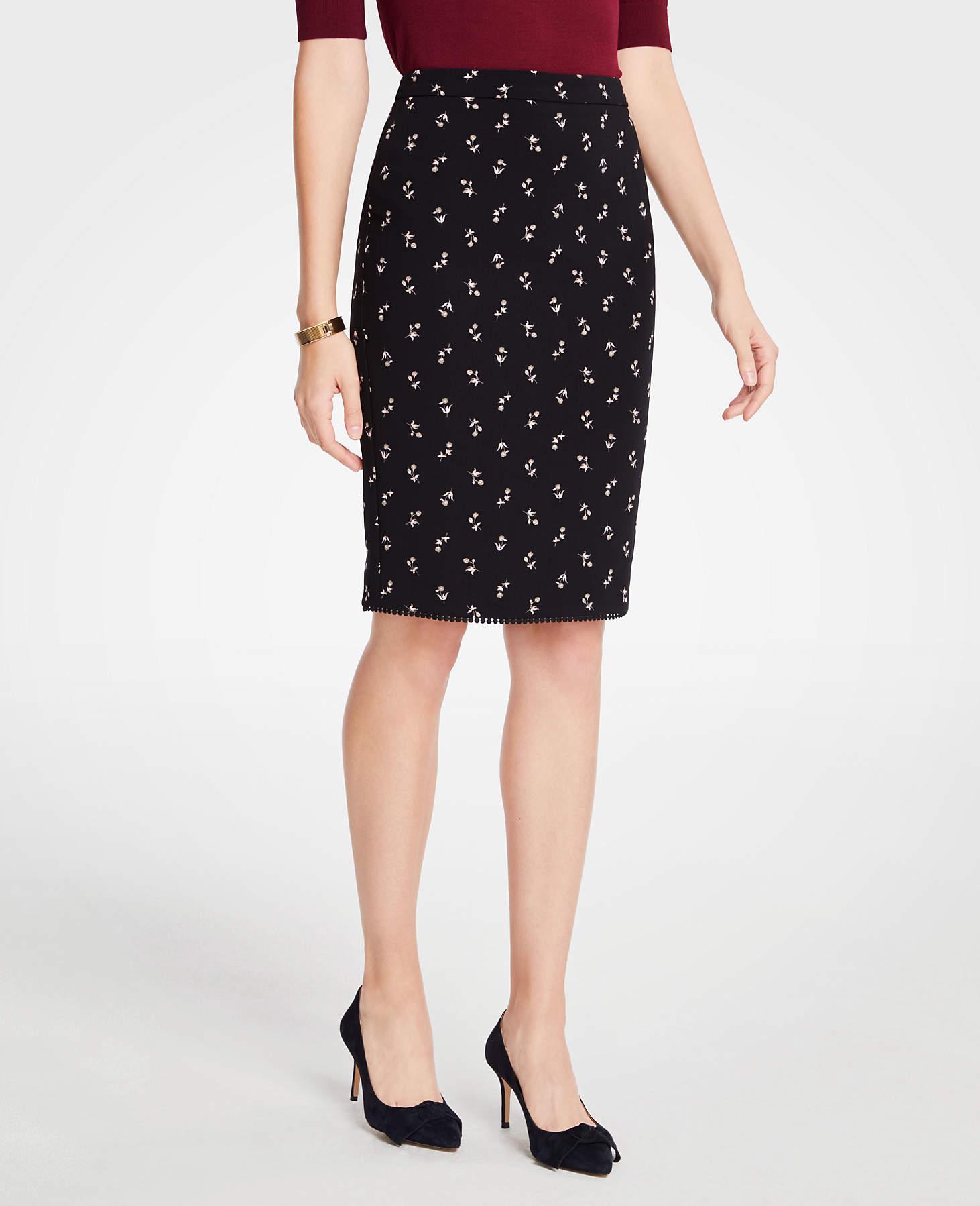 83e10dc7cc924c Ann Taylor Petite Floral Pencil Skirt in Black - Lyst