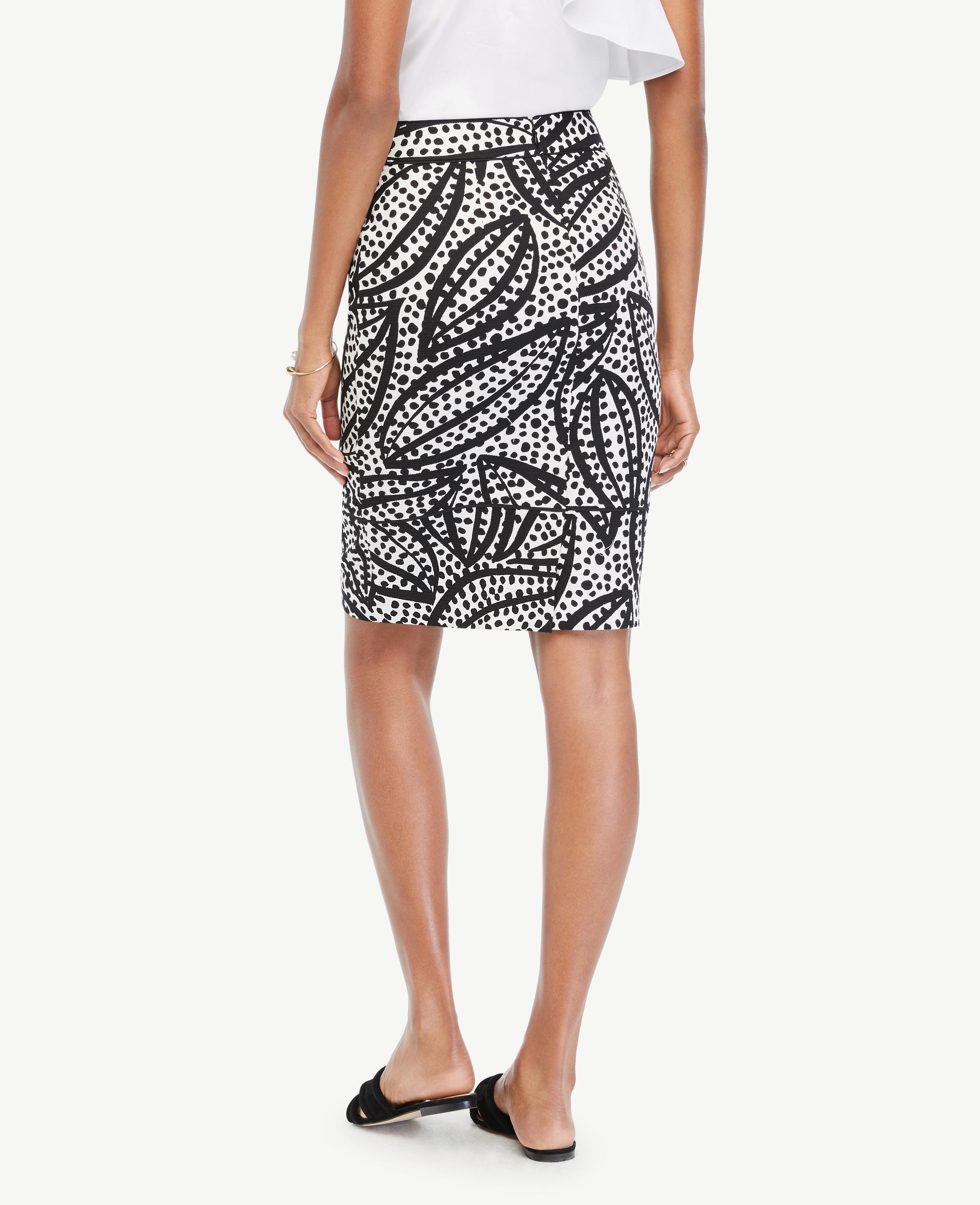 6366c2a6a0 Ann Taylor Curvy Cheetah Leaf Piped Pencil Skirt in Black - Lyst